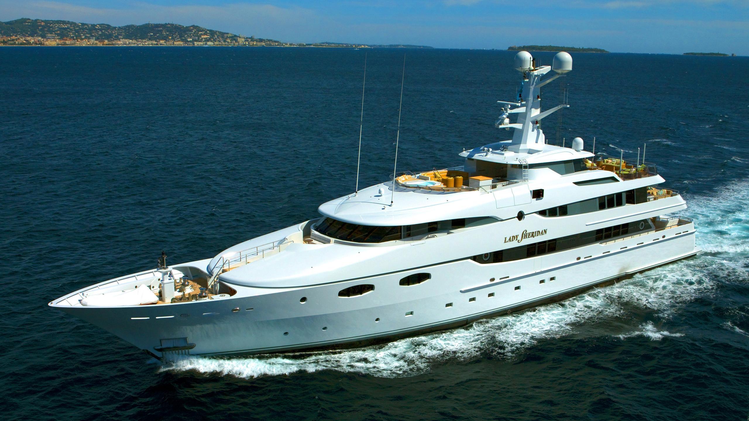 lady-sheridan-yacht-cruising
