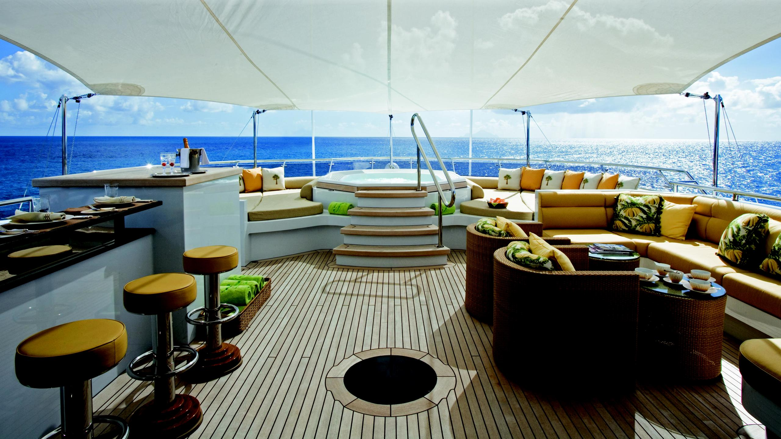 lady-sheridan-yacht-sun-deck