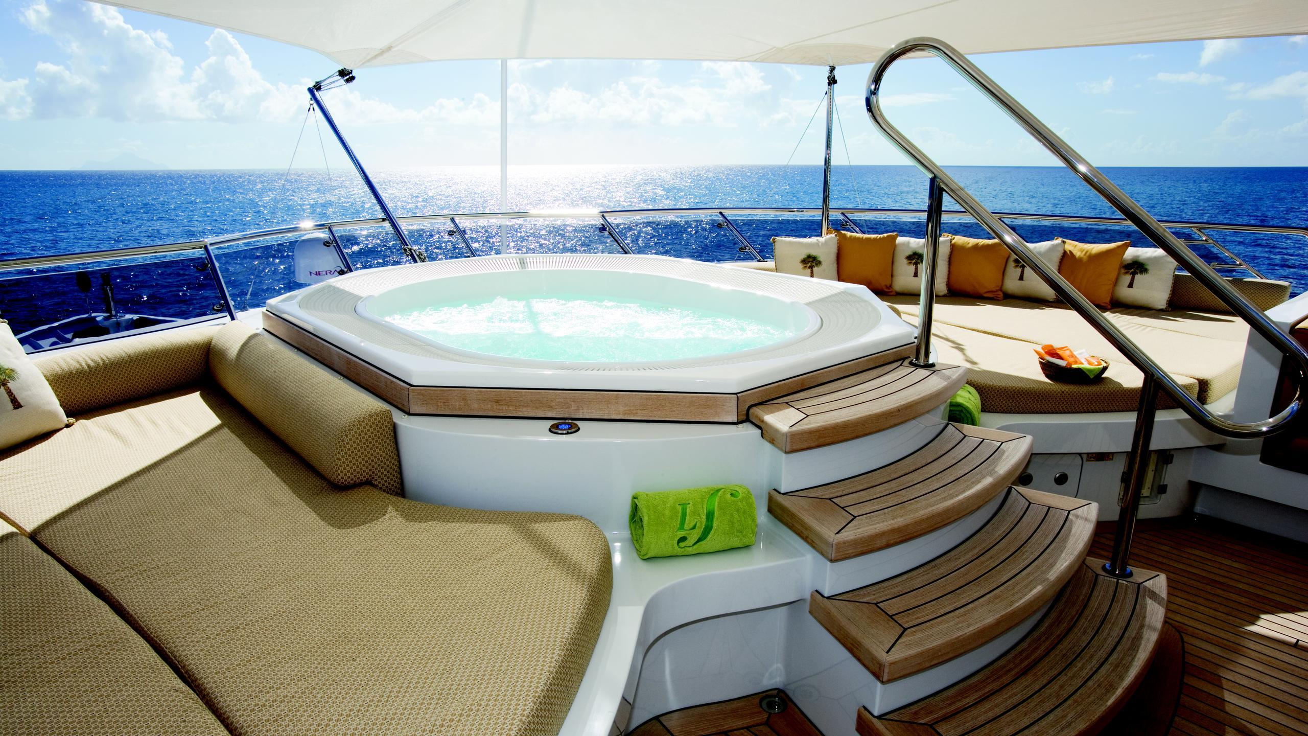 lady-sheridan-yacht-jacuzzi