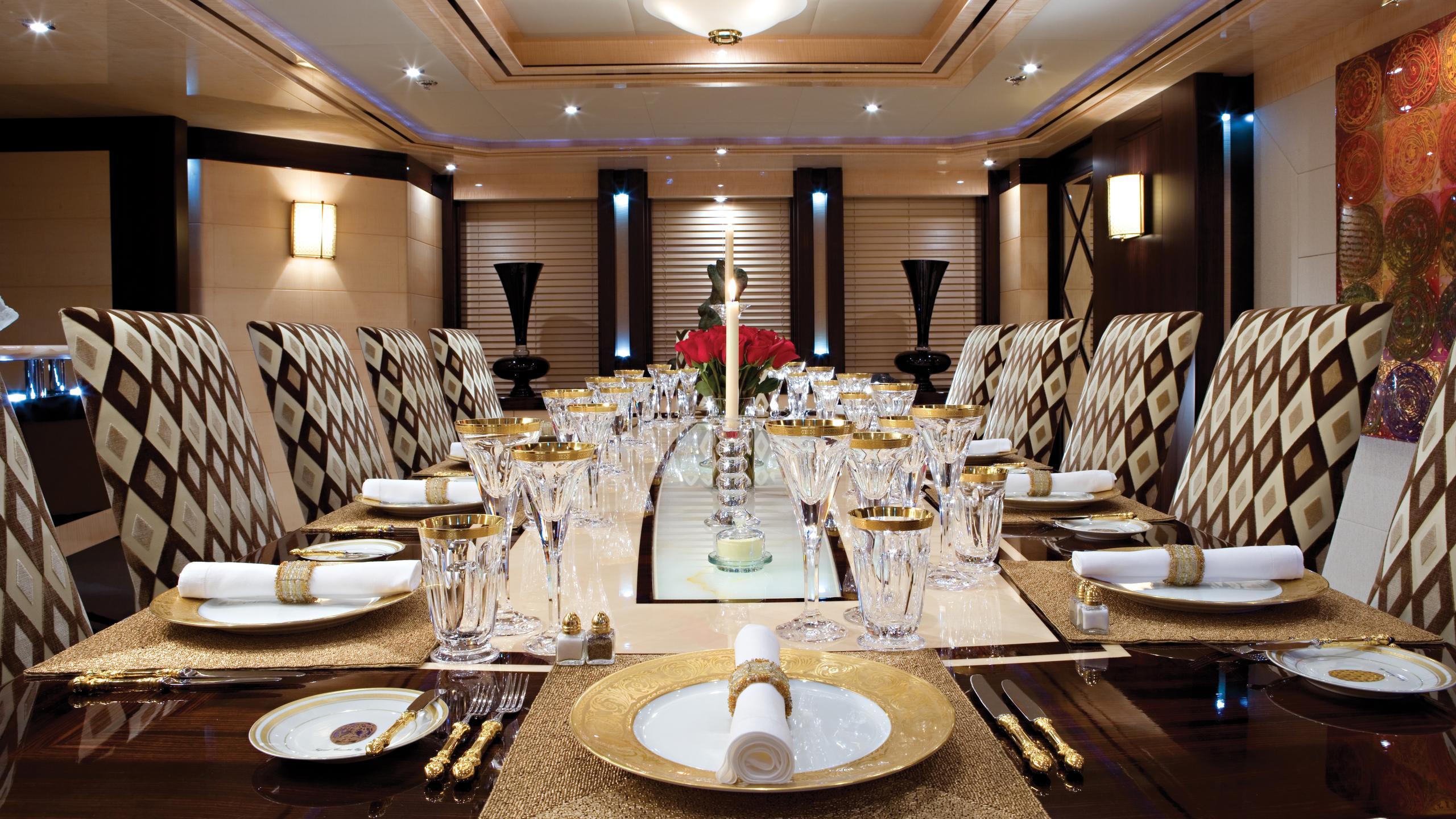 lady-sheridan-yacht-formal-dining
