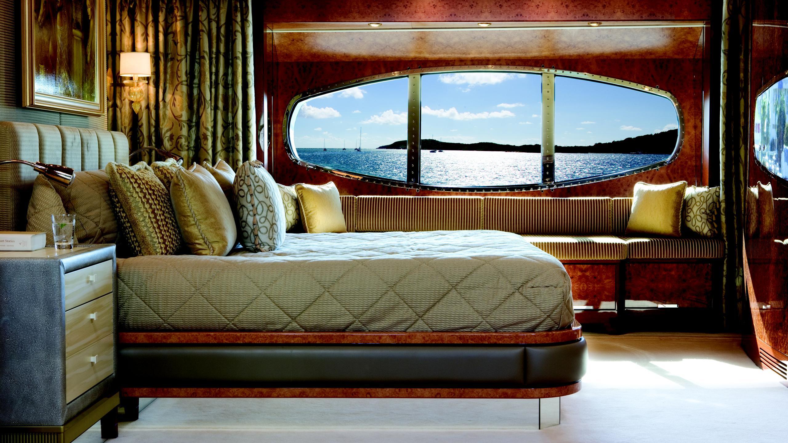 lady-sheridan-yacht-double-cabin