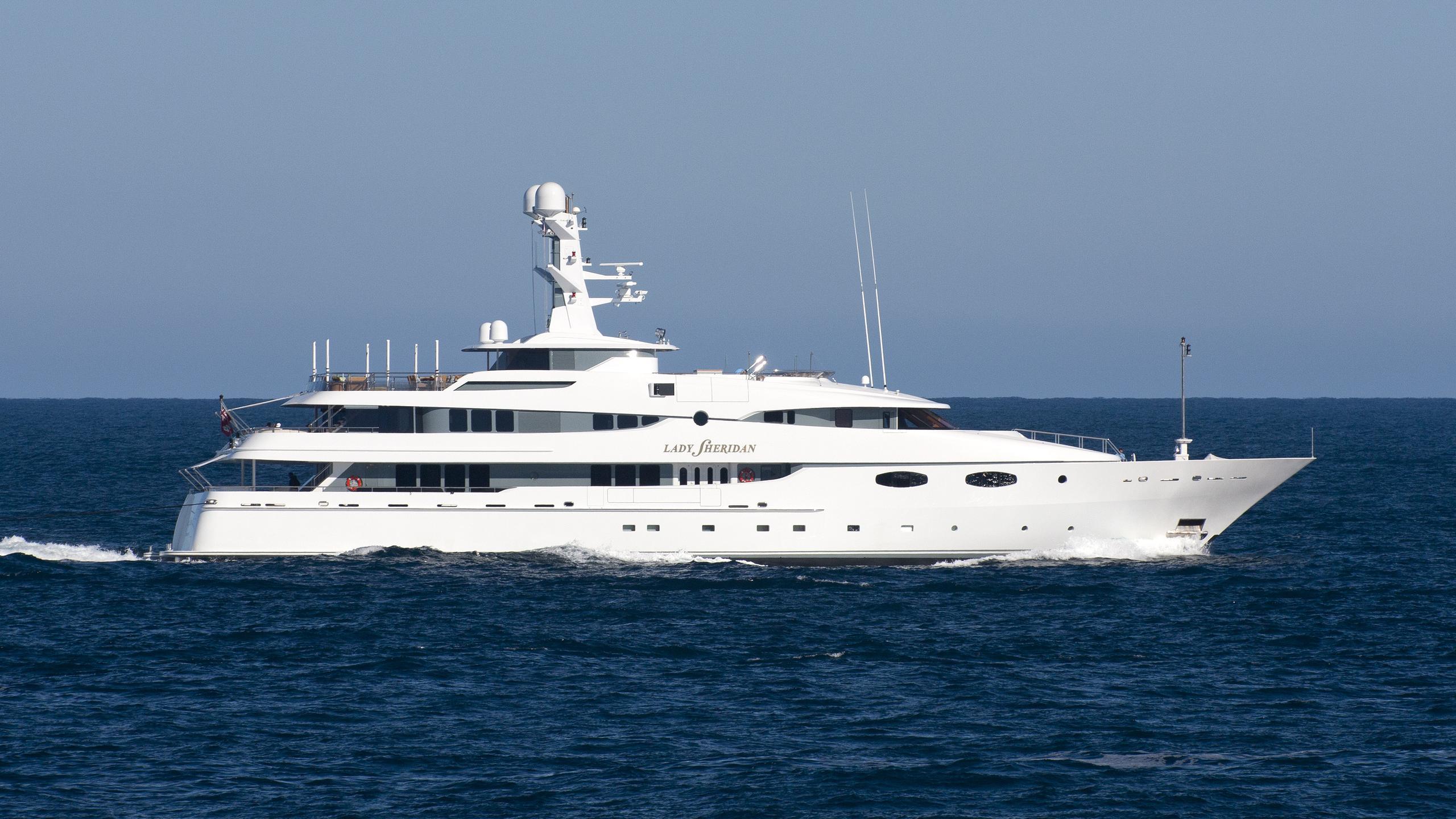 lady-sheridan-yacht-exterior