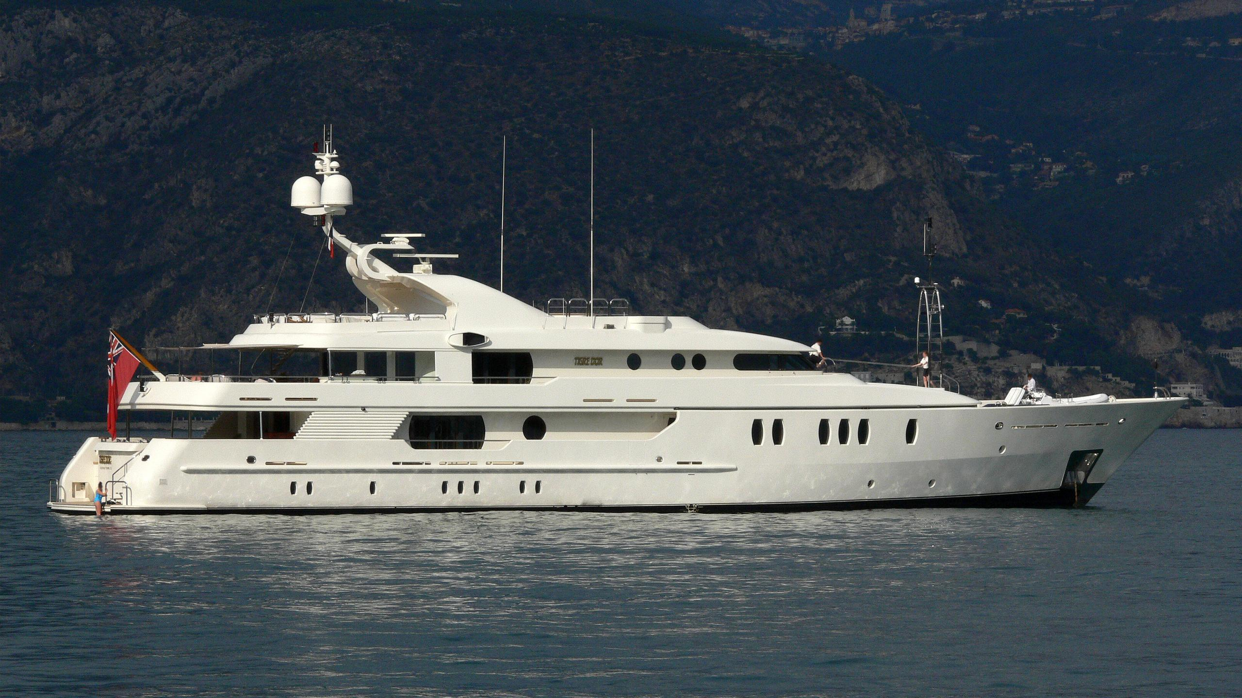 seahorse-yacht-exterior