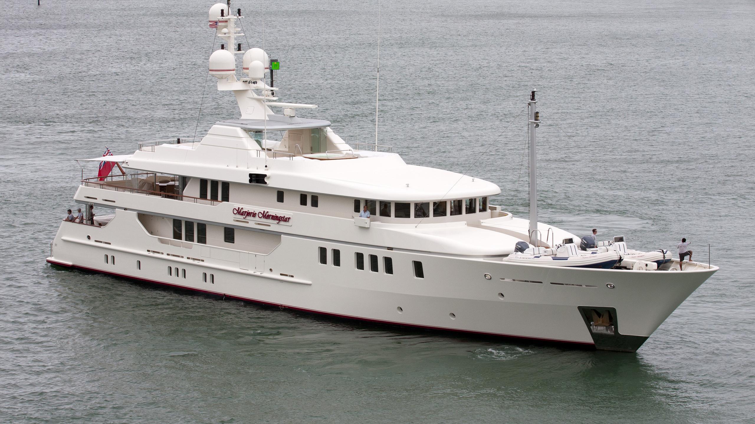 felix-yacht-exterior