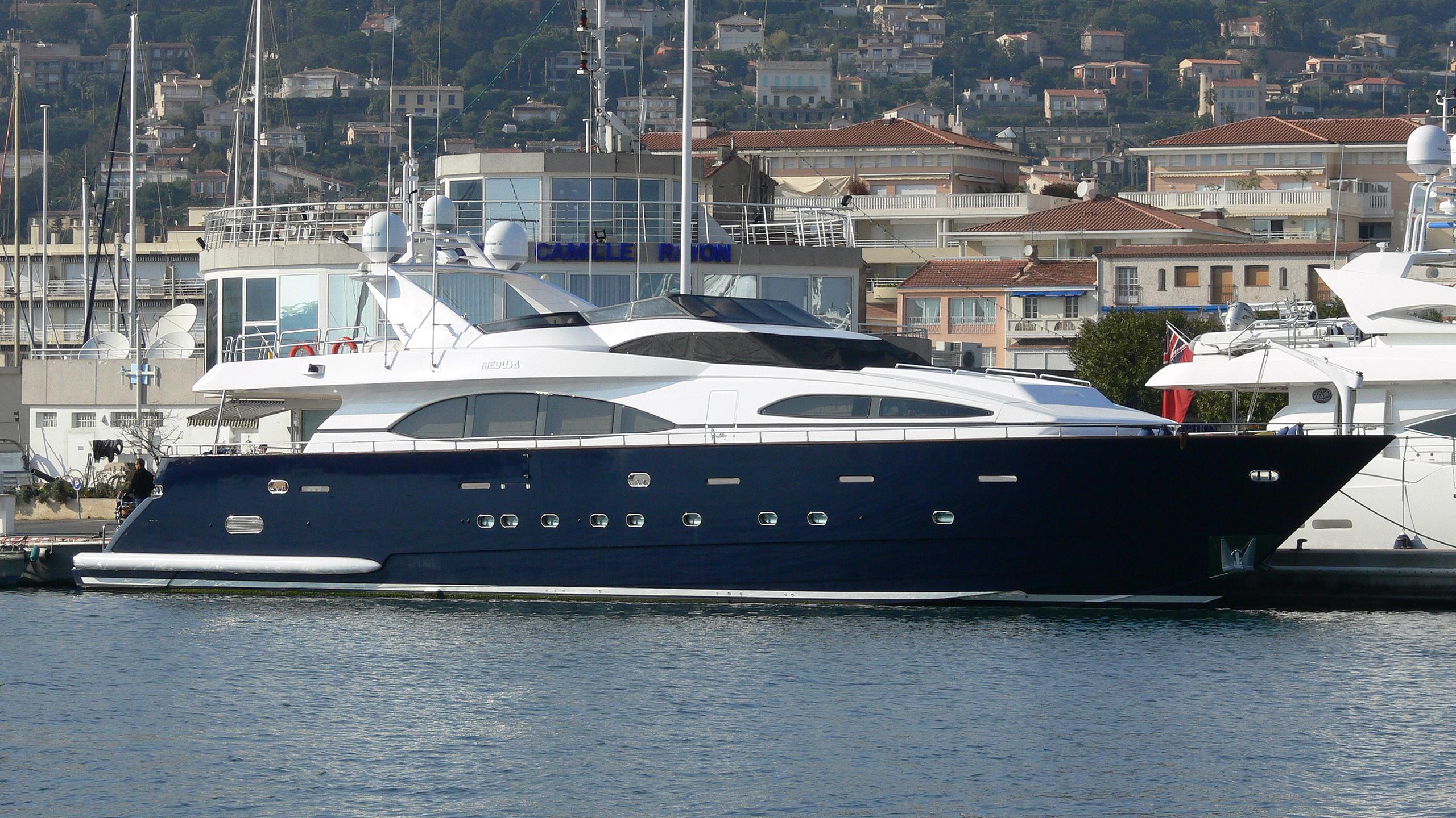 medusa-g-yacht-exterior
