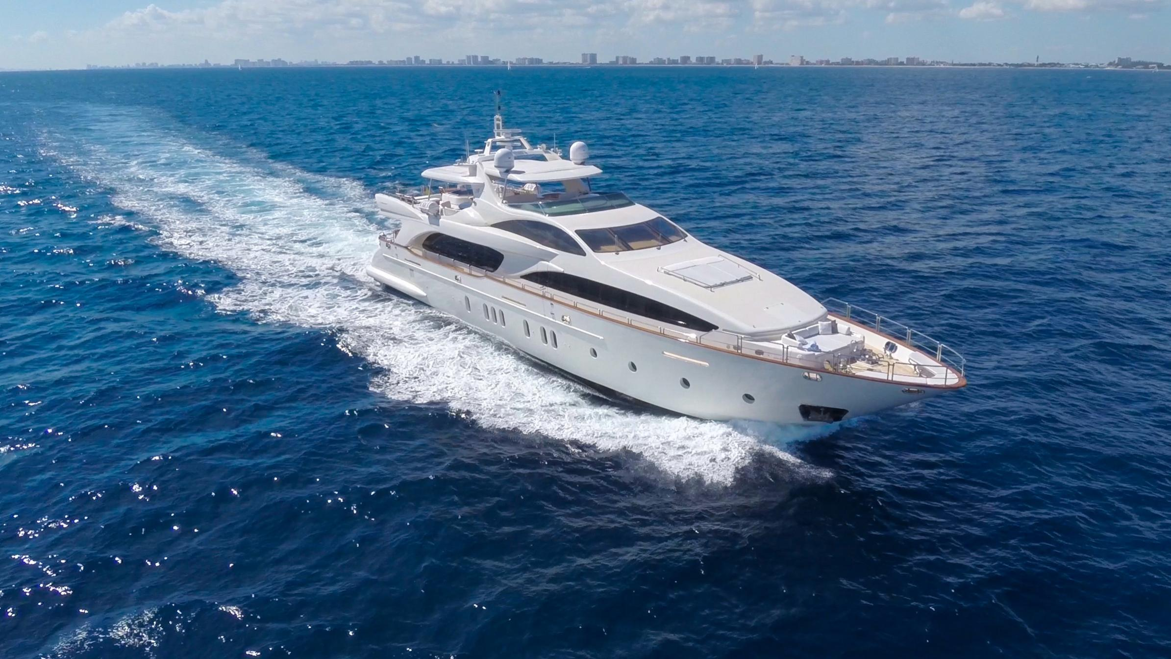 happy-hour-yacht-for-sale-profile
