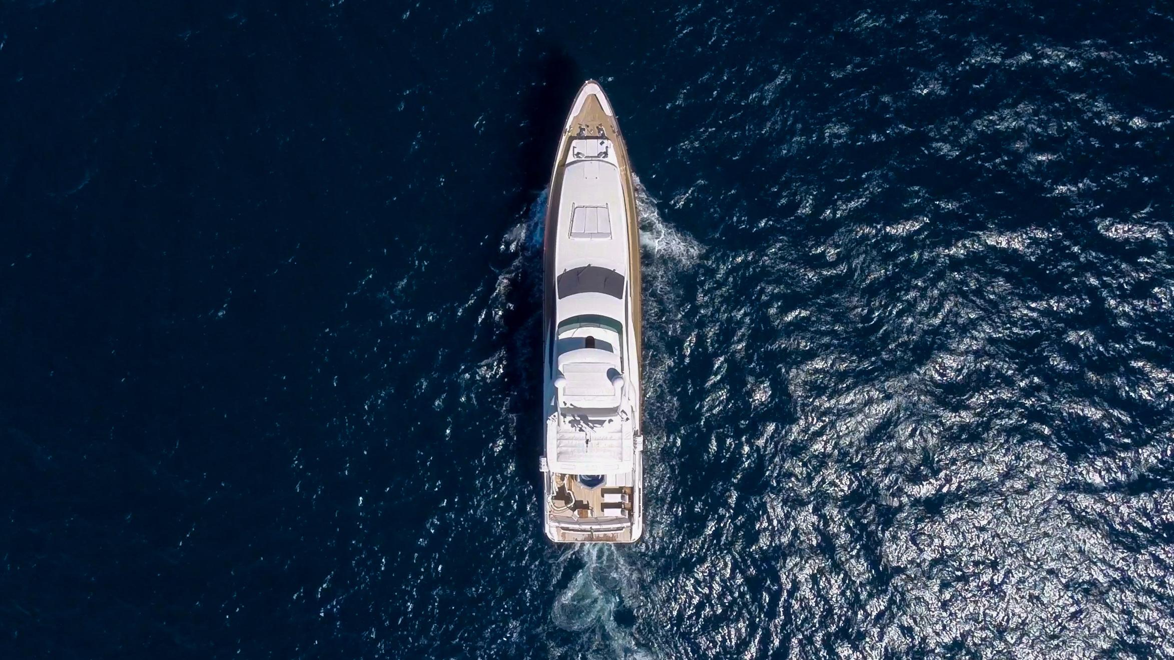 happy-hour-yacht-aerial