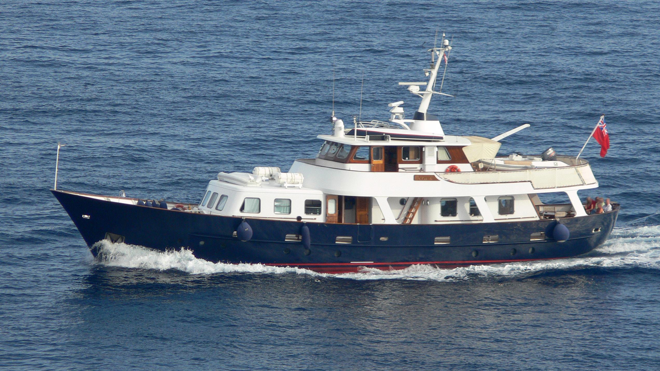hera-c-yacht-exterior