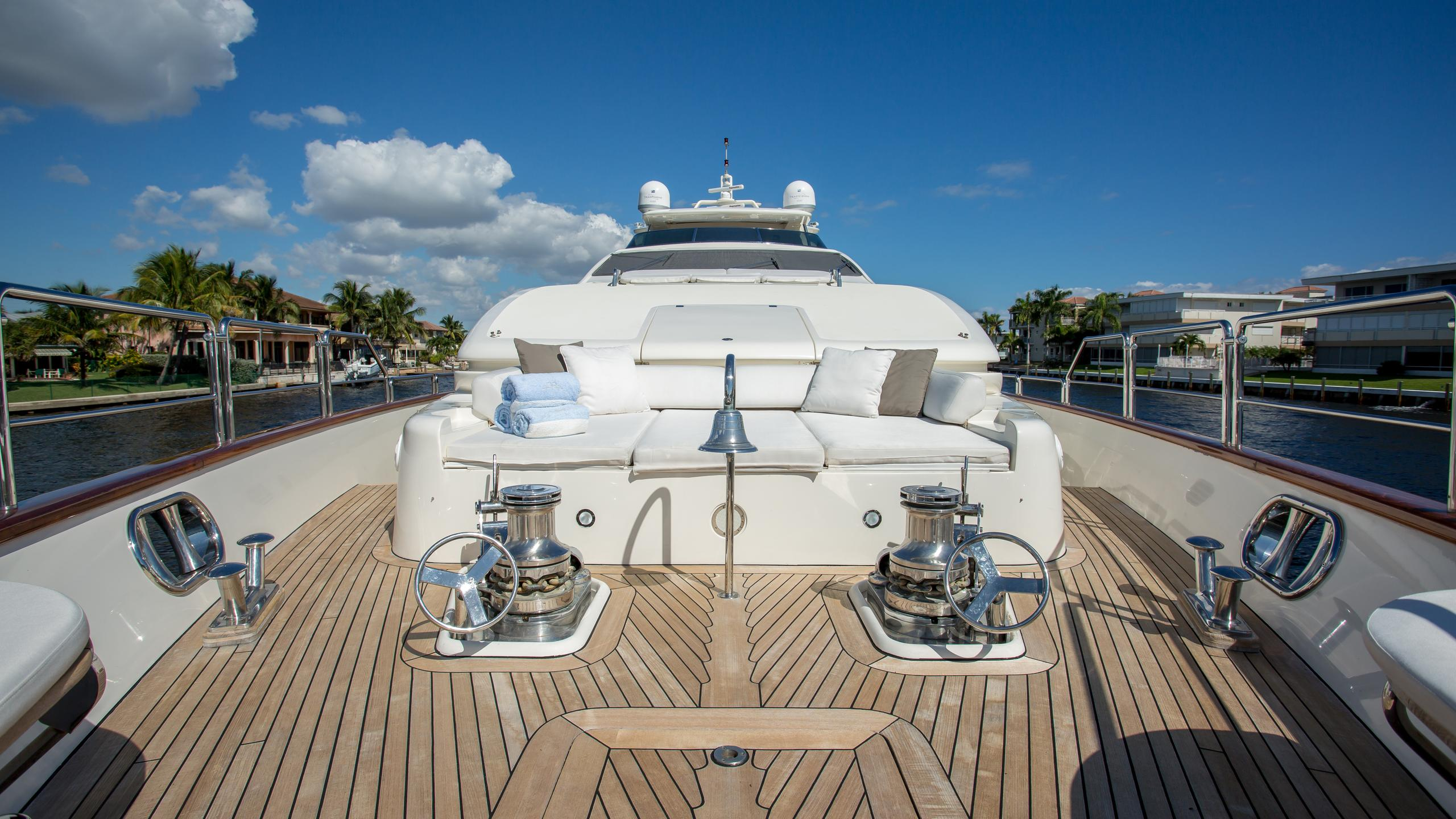 happy-hour-yacht-bow-deck
