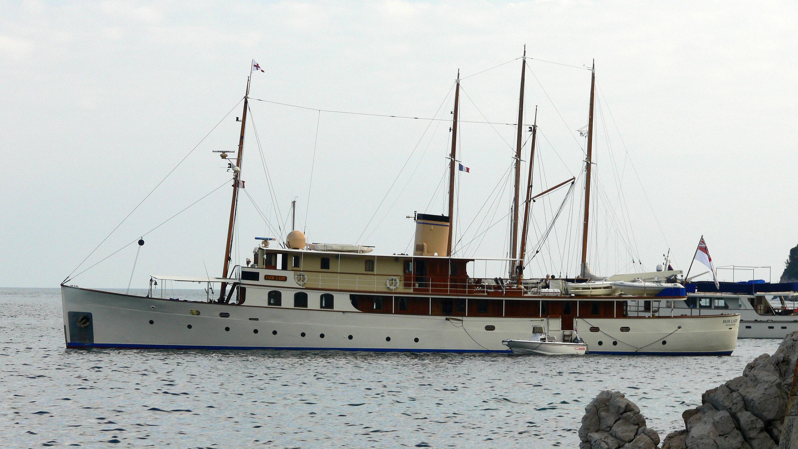 fair-lady-yacht-exterior