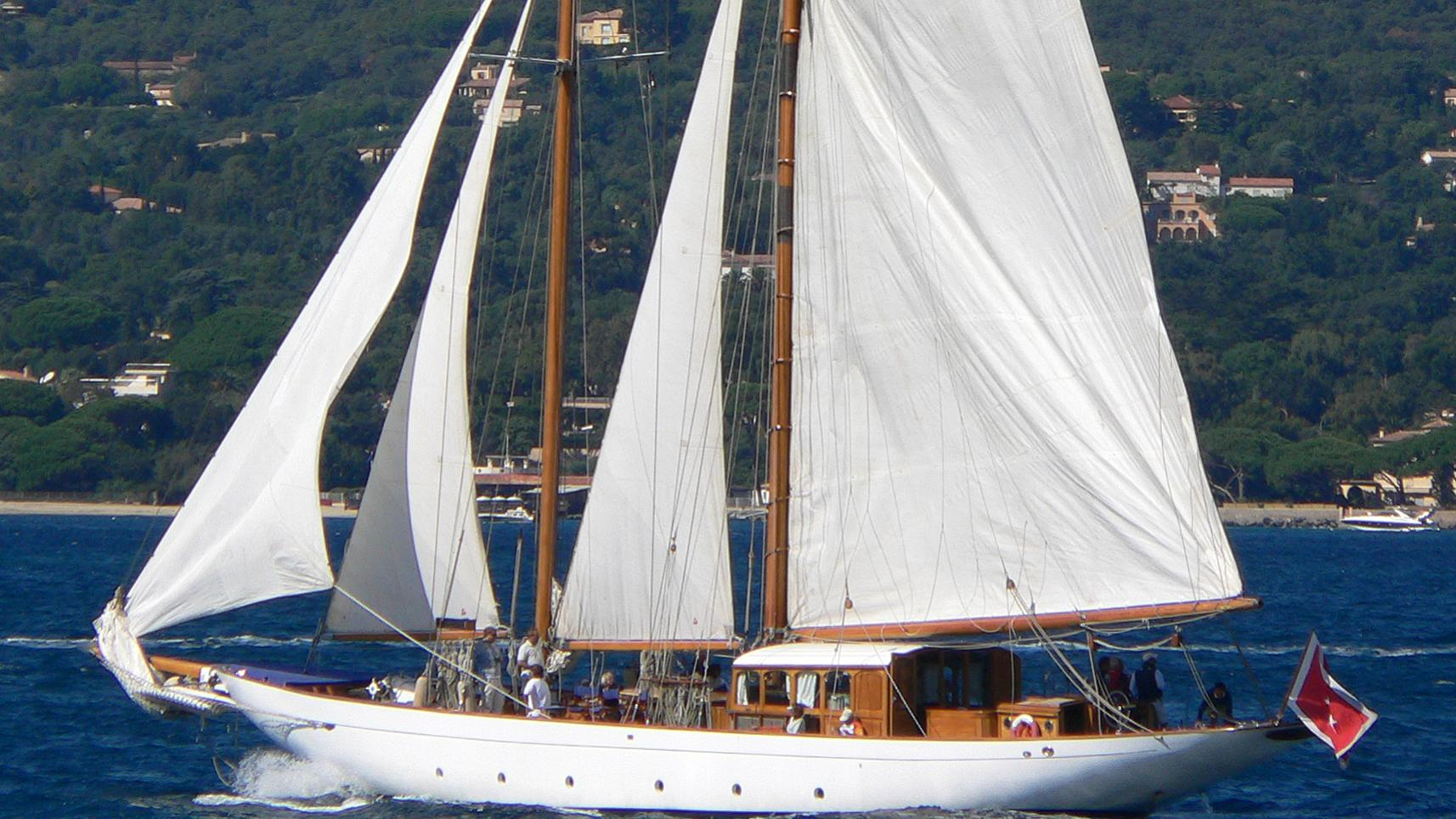 weatherbird-yacht-exterior