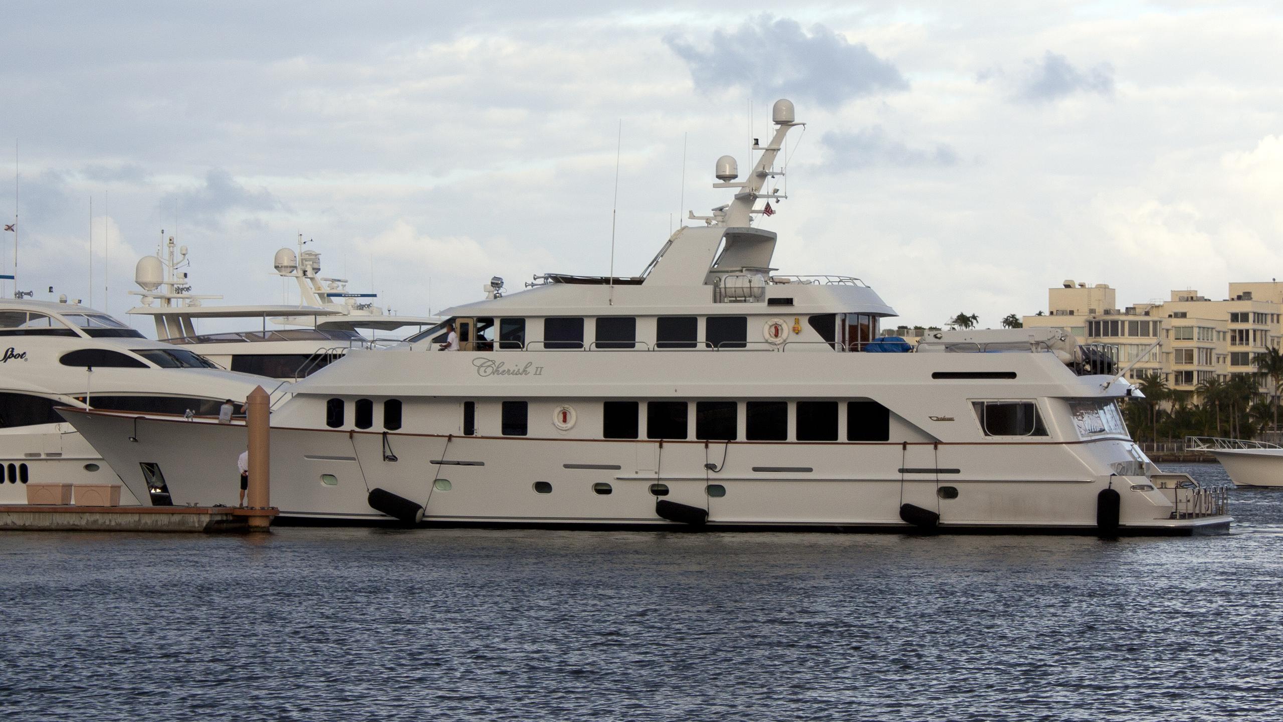 cherish-ii-yacht-exterior