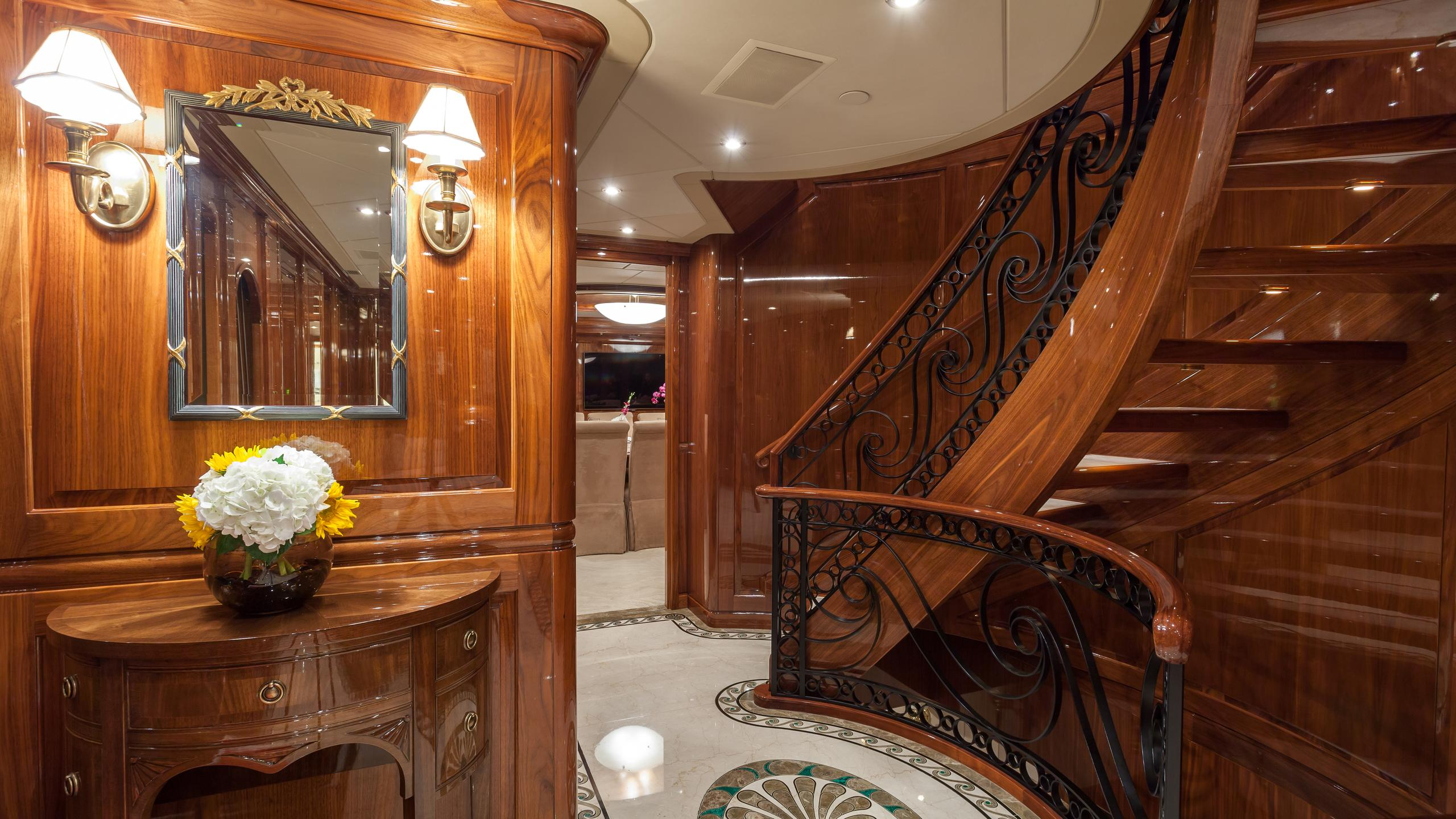 top-five-yacht-hallway