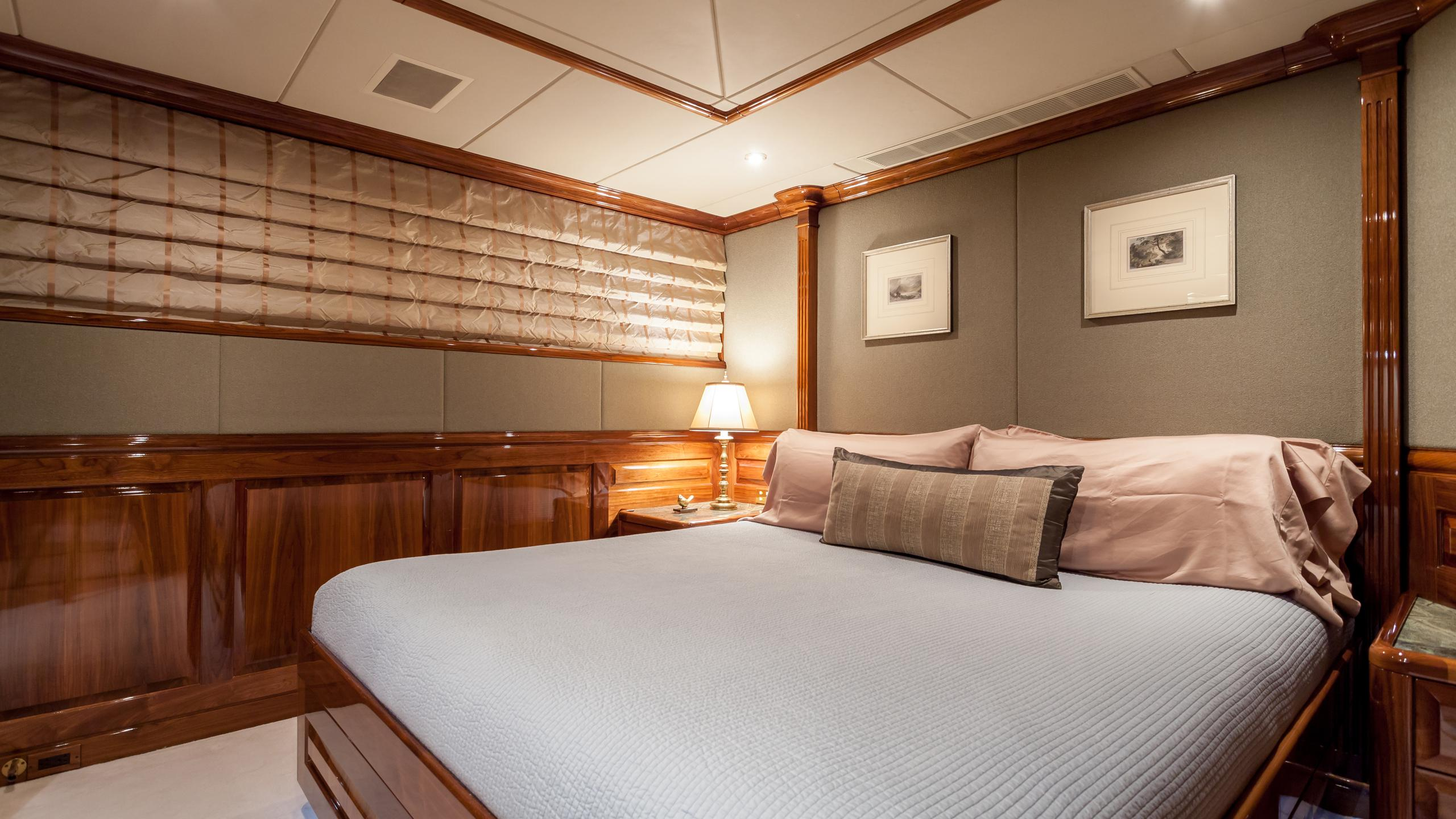 top-five-yacht-double-cabin