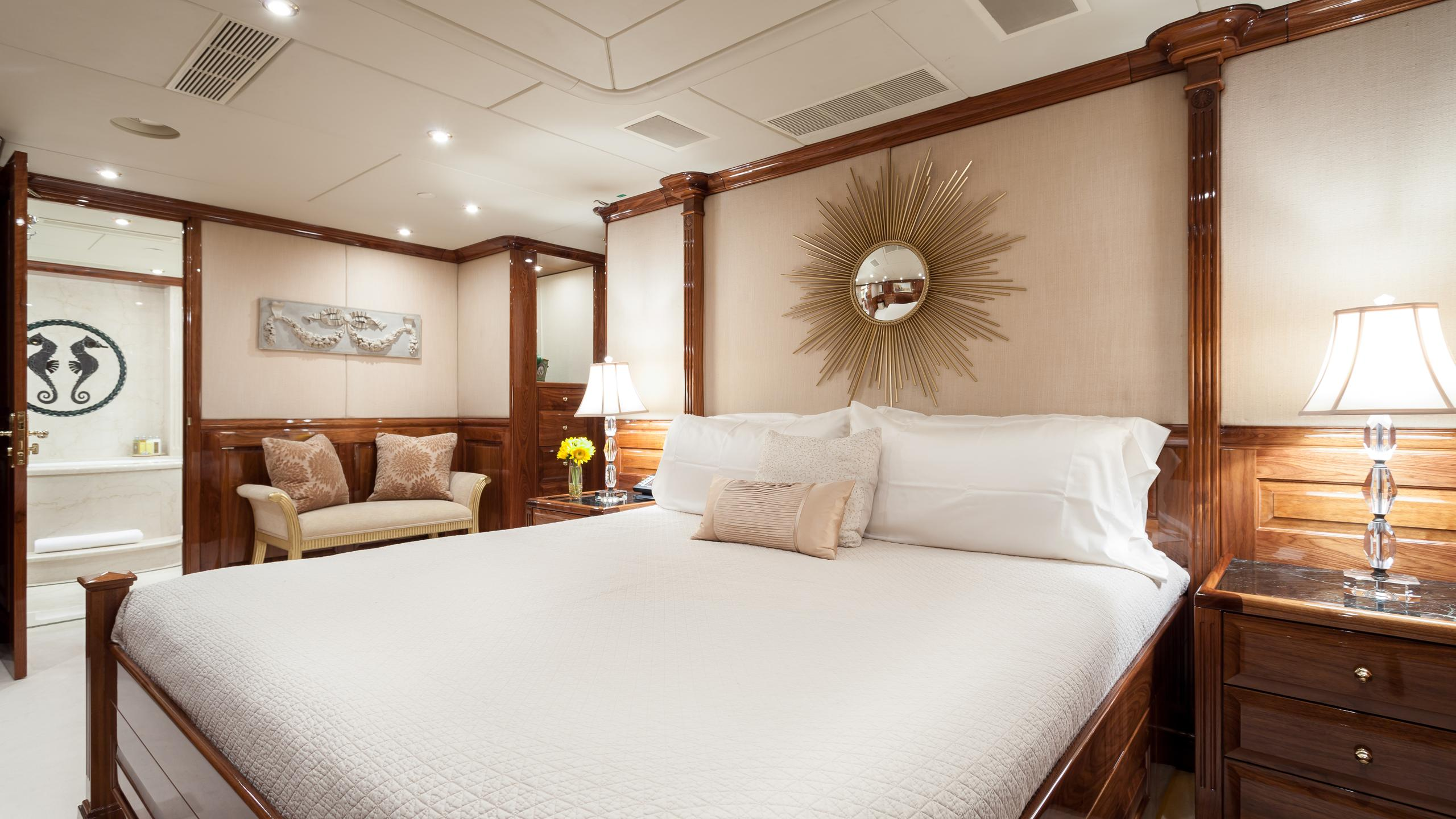 top-five-yacht-vip-cabin