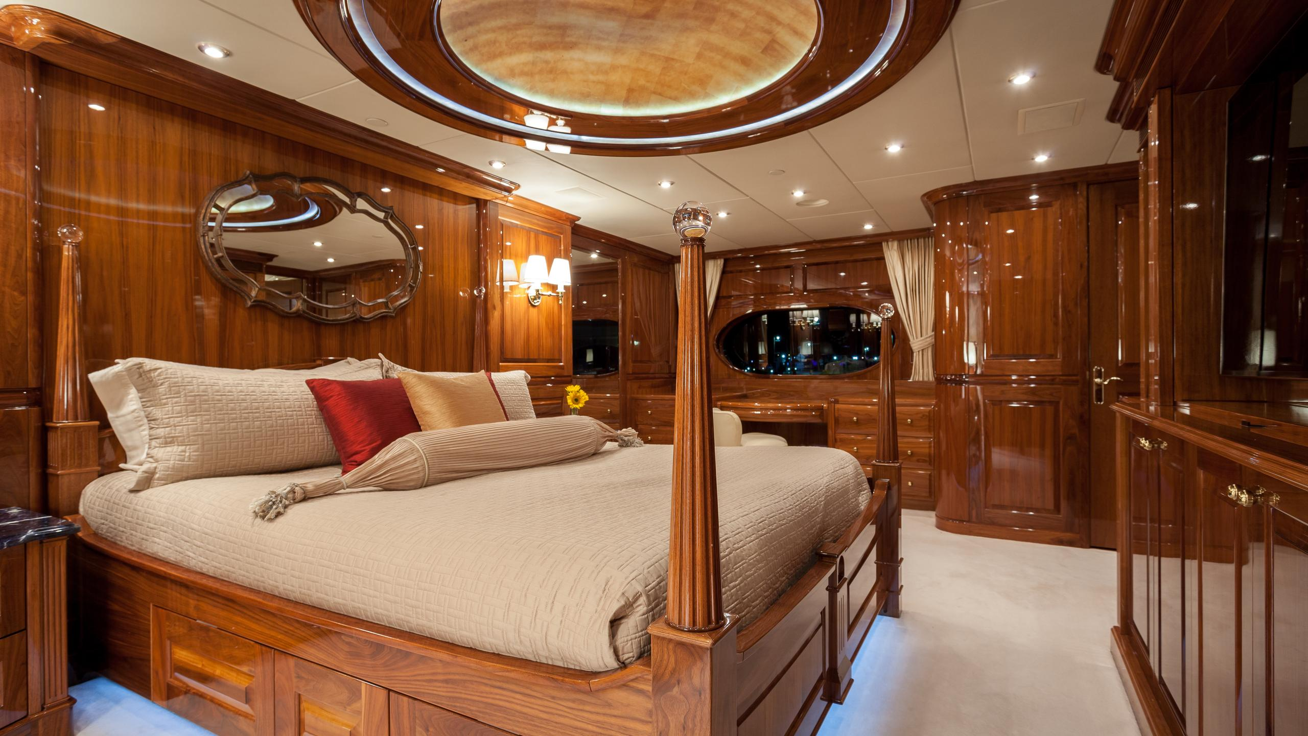 top-five-yacht-master-cabin