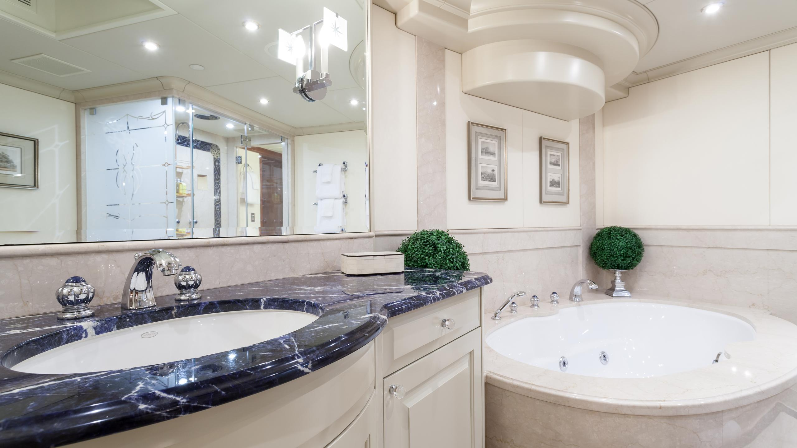 top-five-yacht-master-bathroom