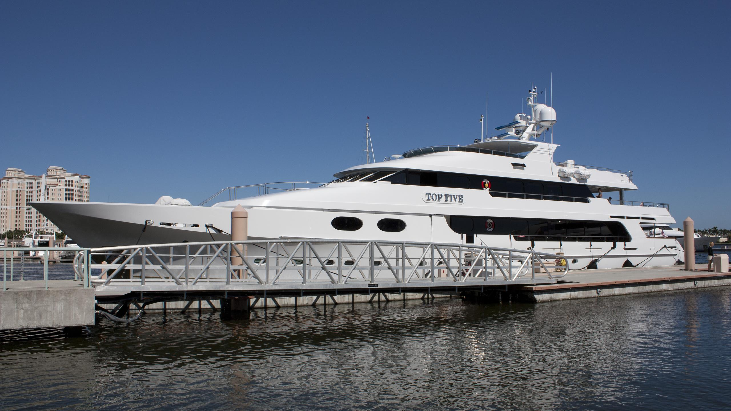top-five-yacht-exterior