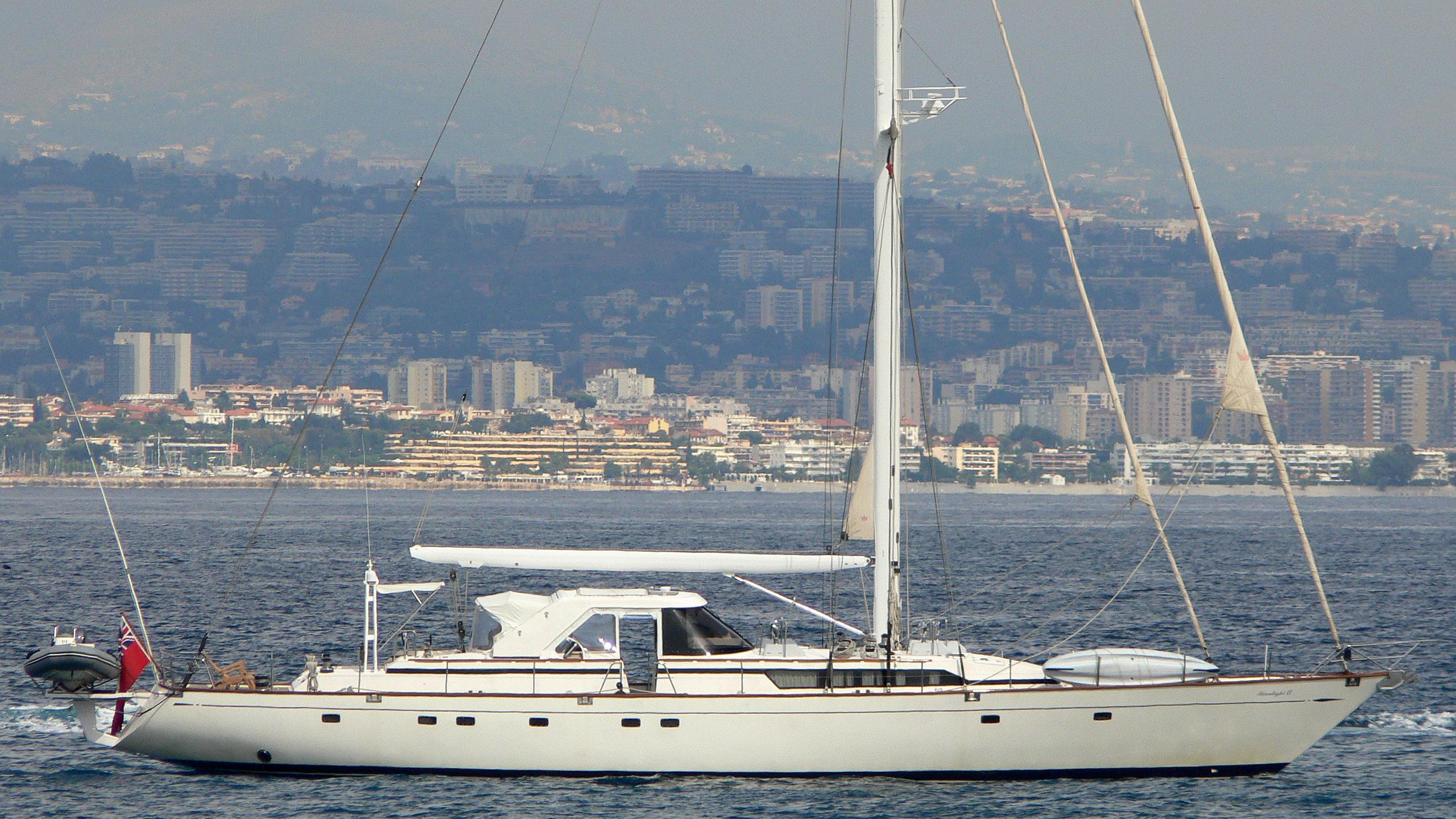 moonlight-ii-yacht-exterior