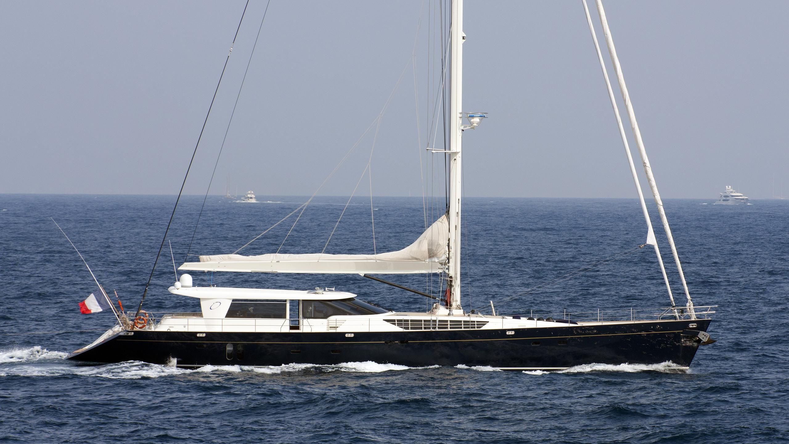 obsession-ii-yacht-exterior