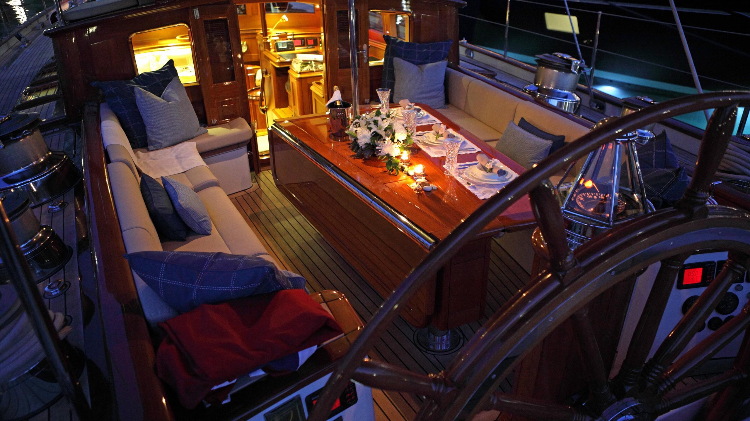 shamoun-yacht-deck