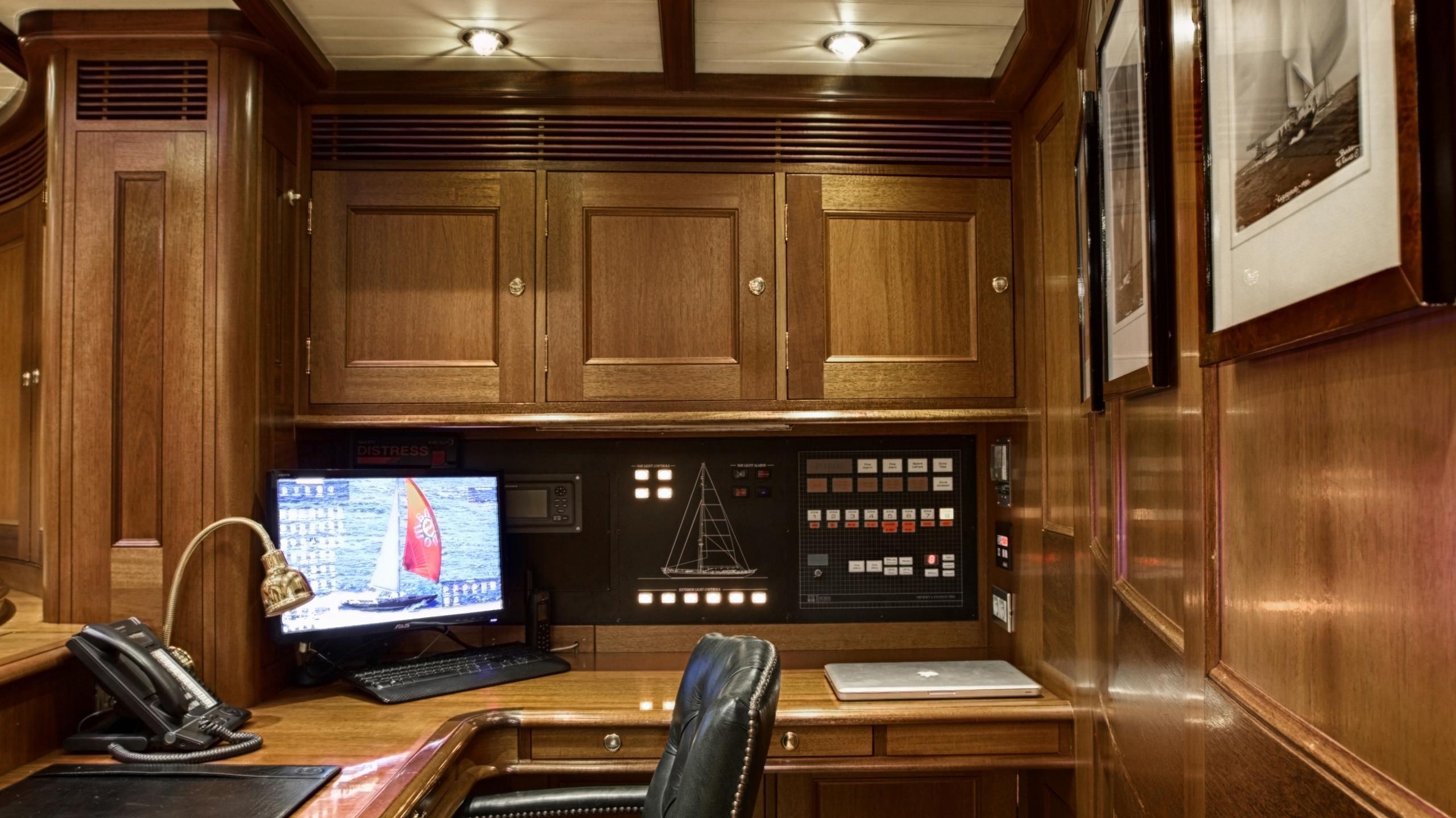 shamoun-yacht-navigation