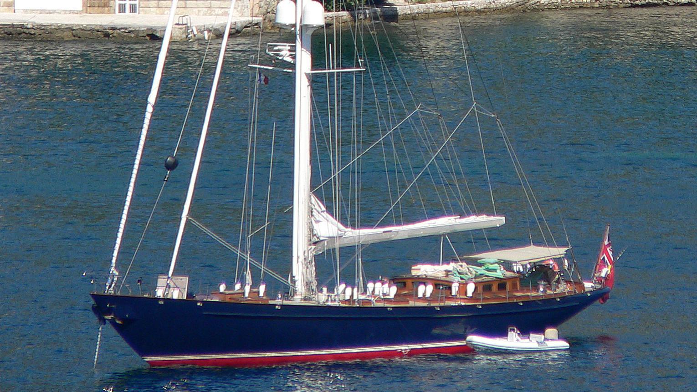 shamoun-yacht-exterior