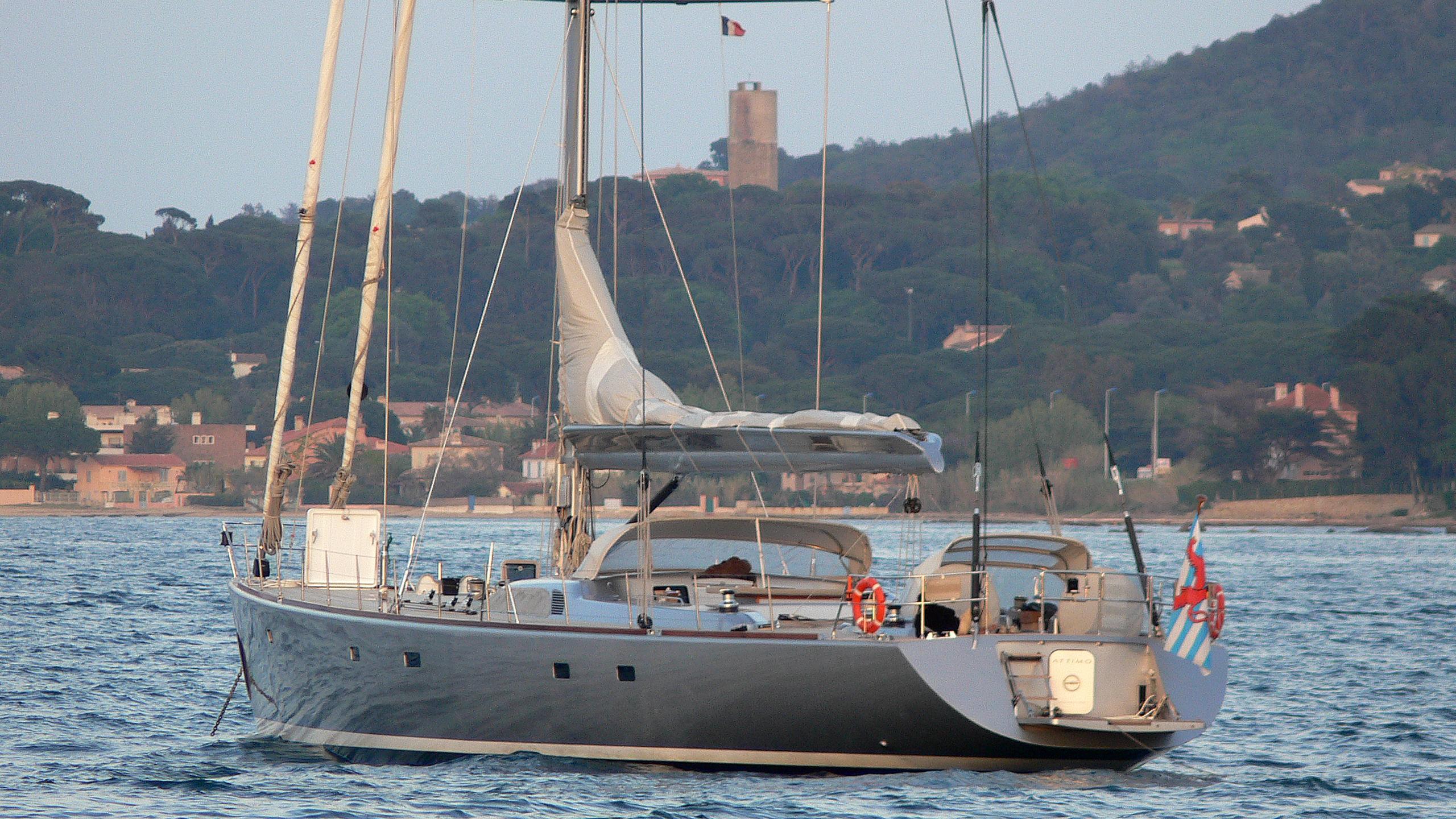 attimo-yacht-exterior