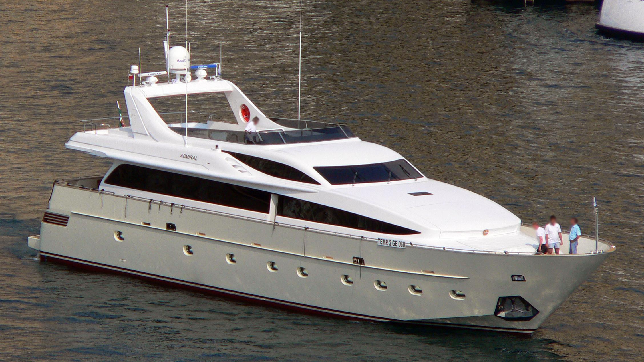 alila-yacht-exterior