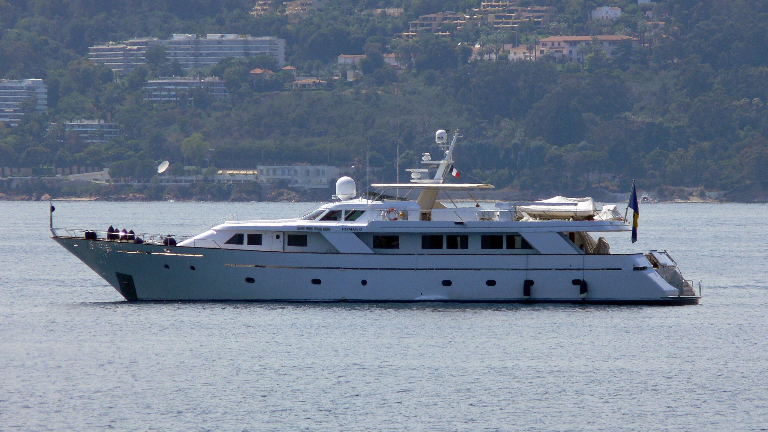 happyssima-dei-galli-yacht-exterior
