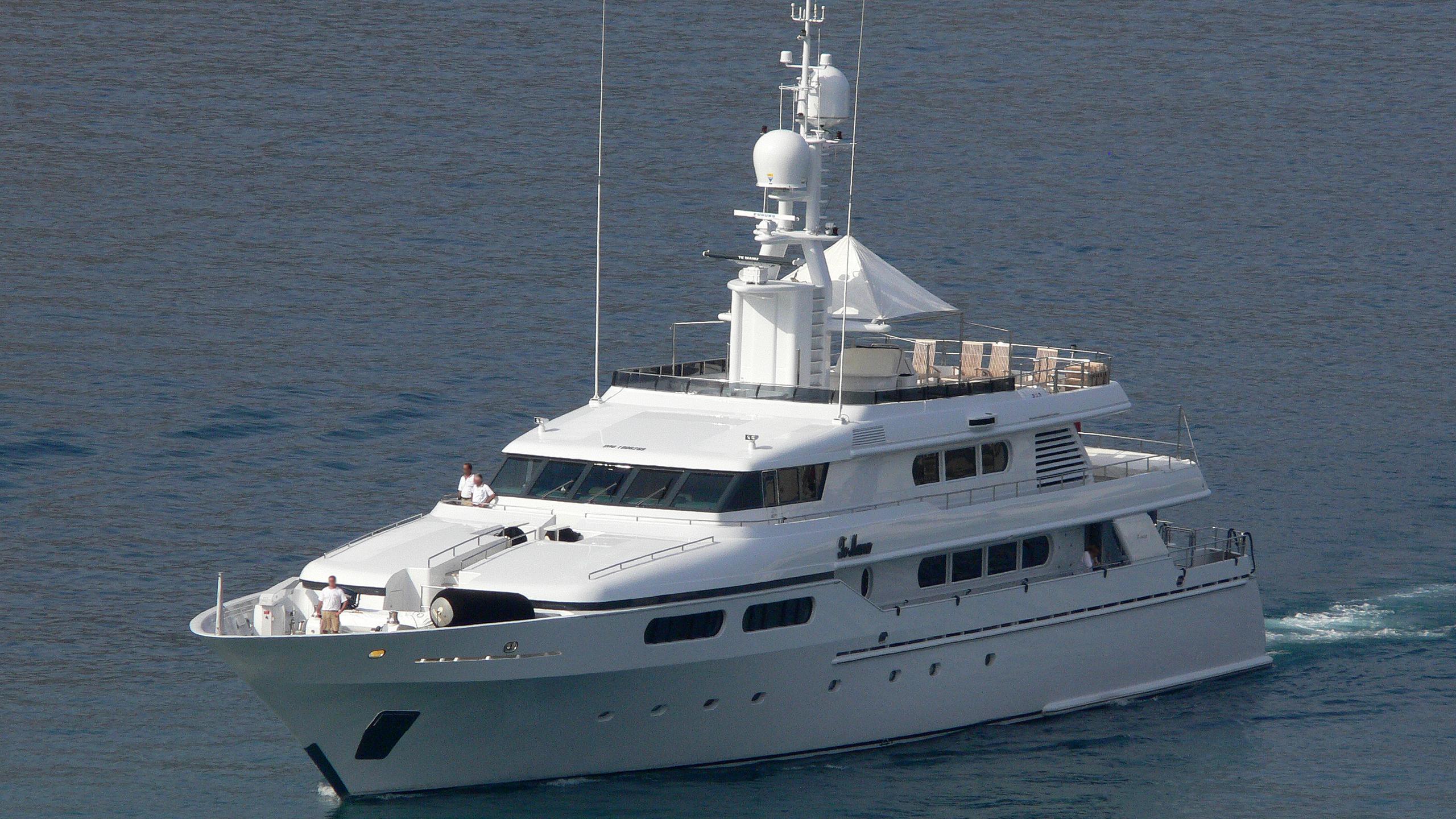 te-manu-yacht-exterior