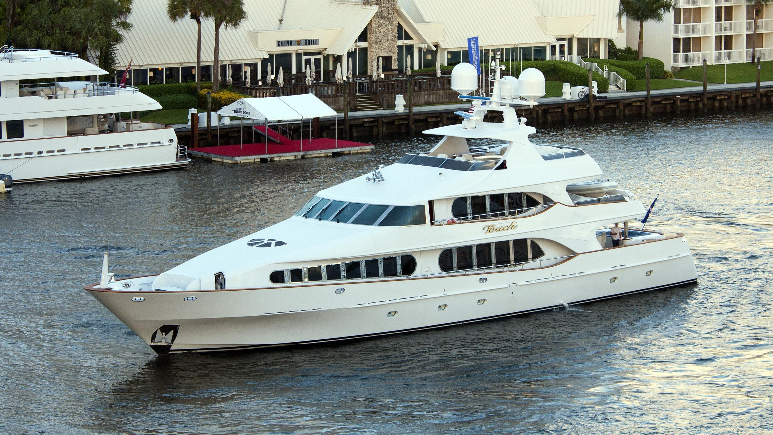 touch-yacht-exterior
