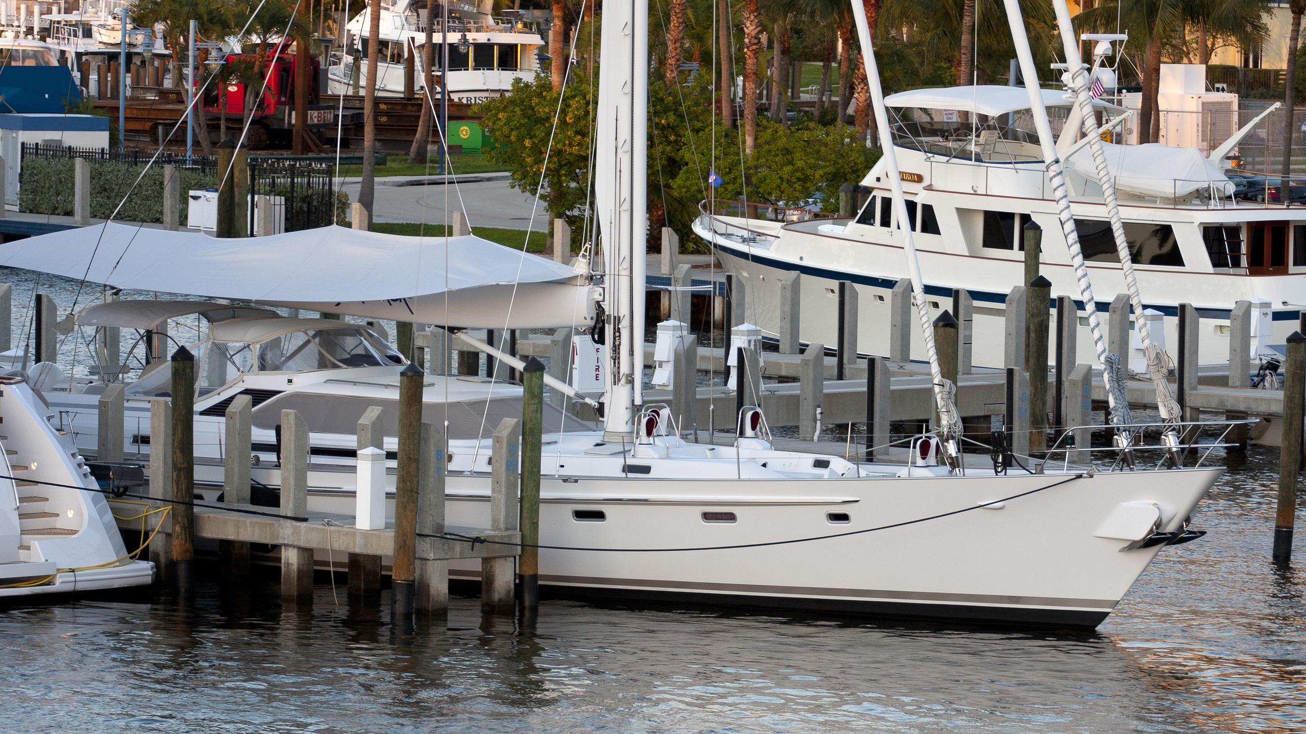 sorcerer-ii-yacht-exterior