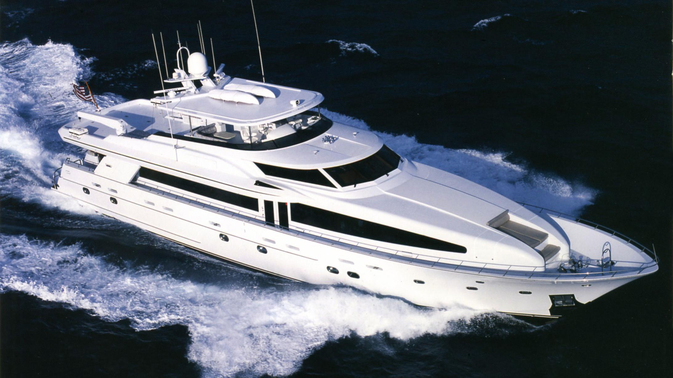 olga-yacht-cruising
