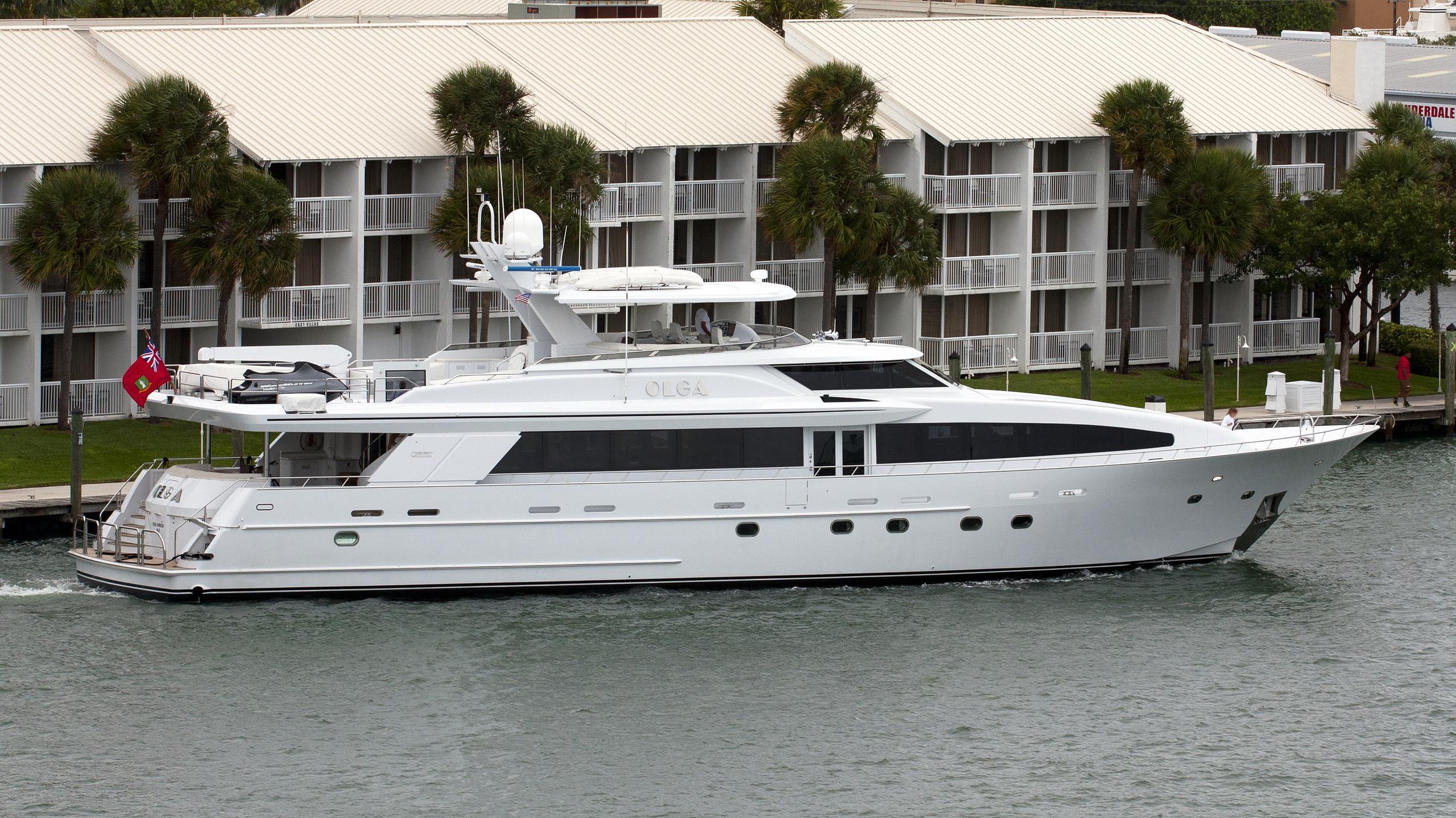 olga-yacht-exterior