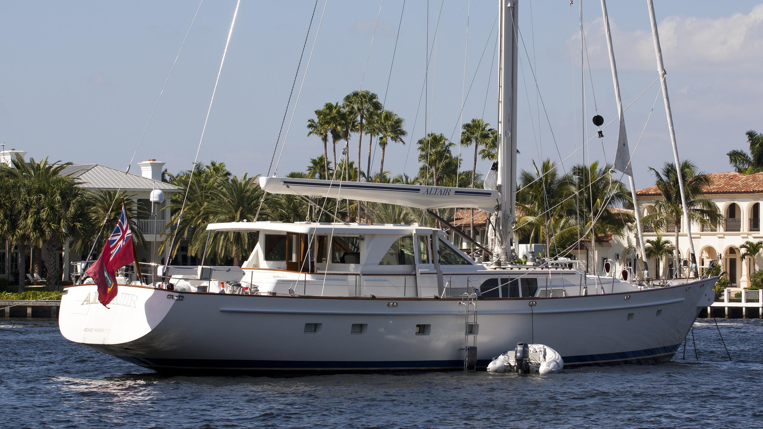 altair-yacht-exterior
