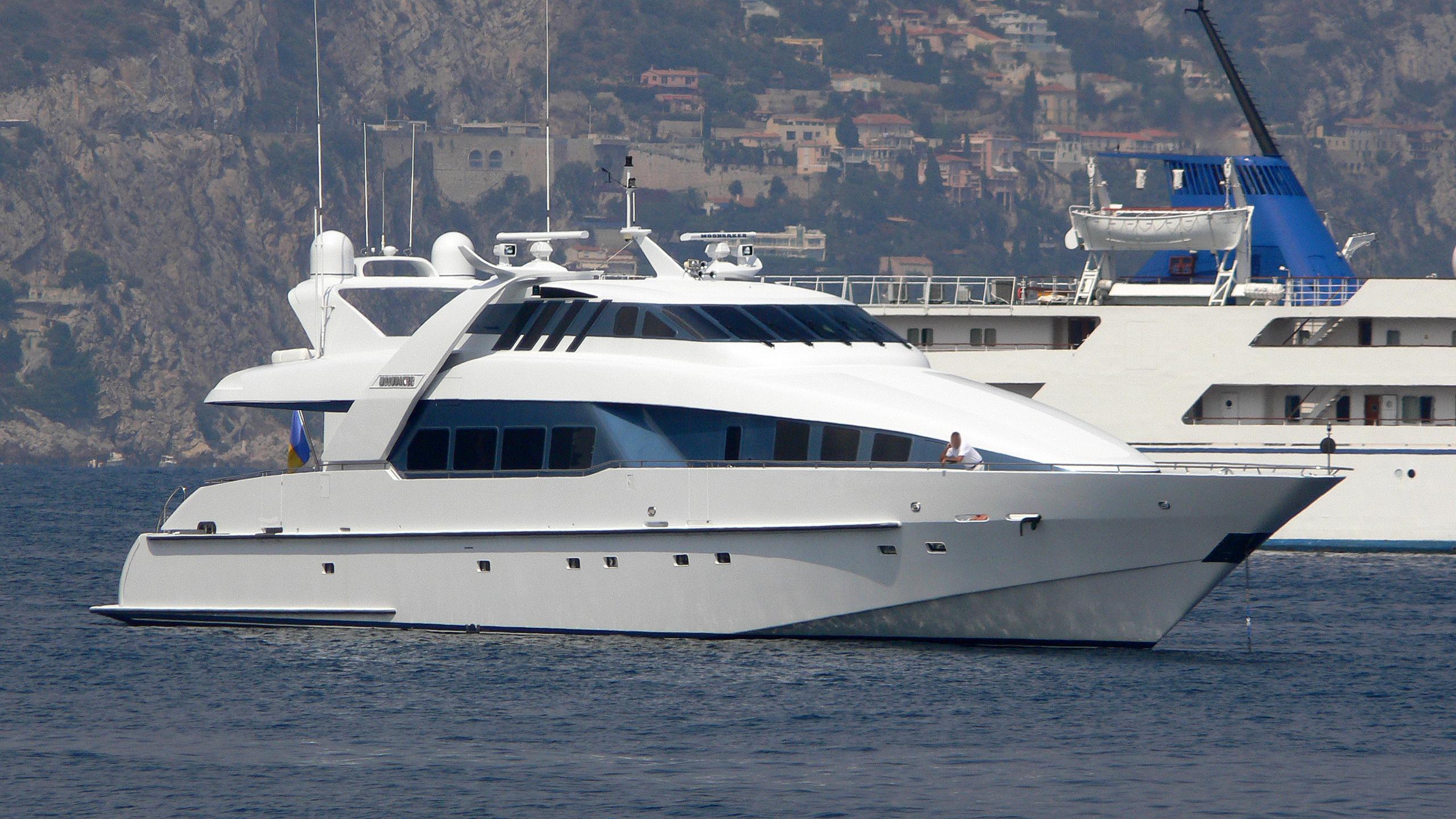 moonraker-yacht-exterior
