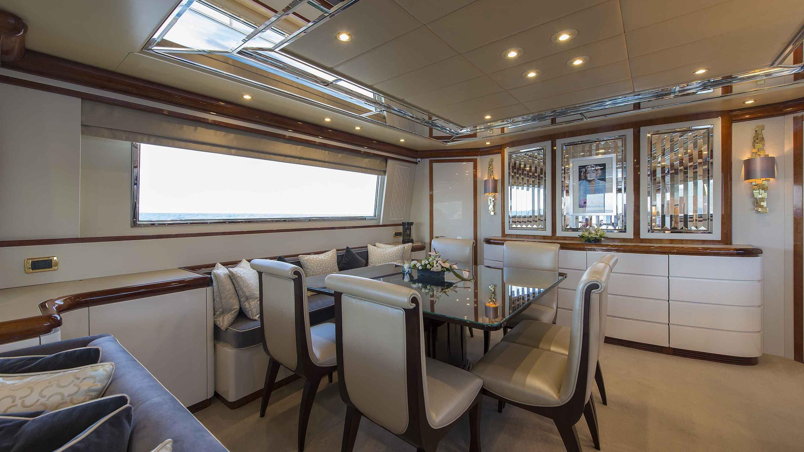 the-wellesley-yacht-formal-dining