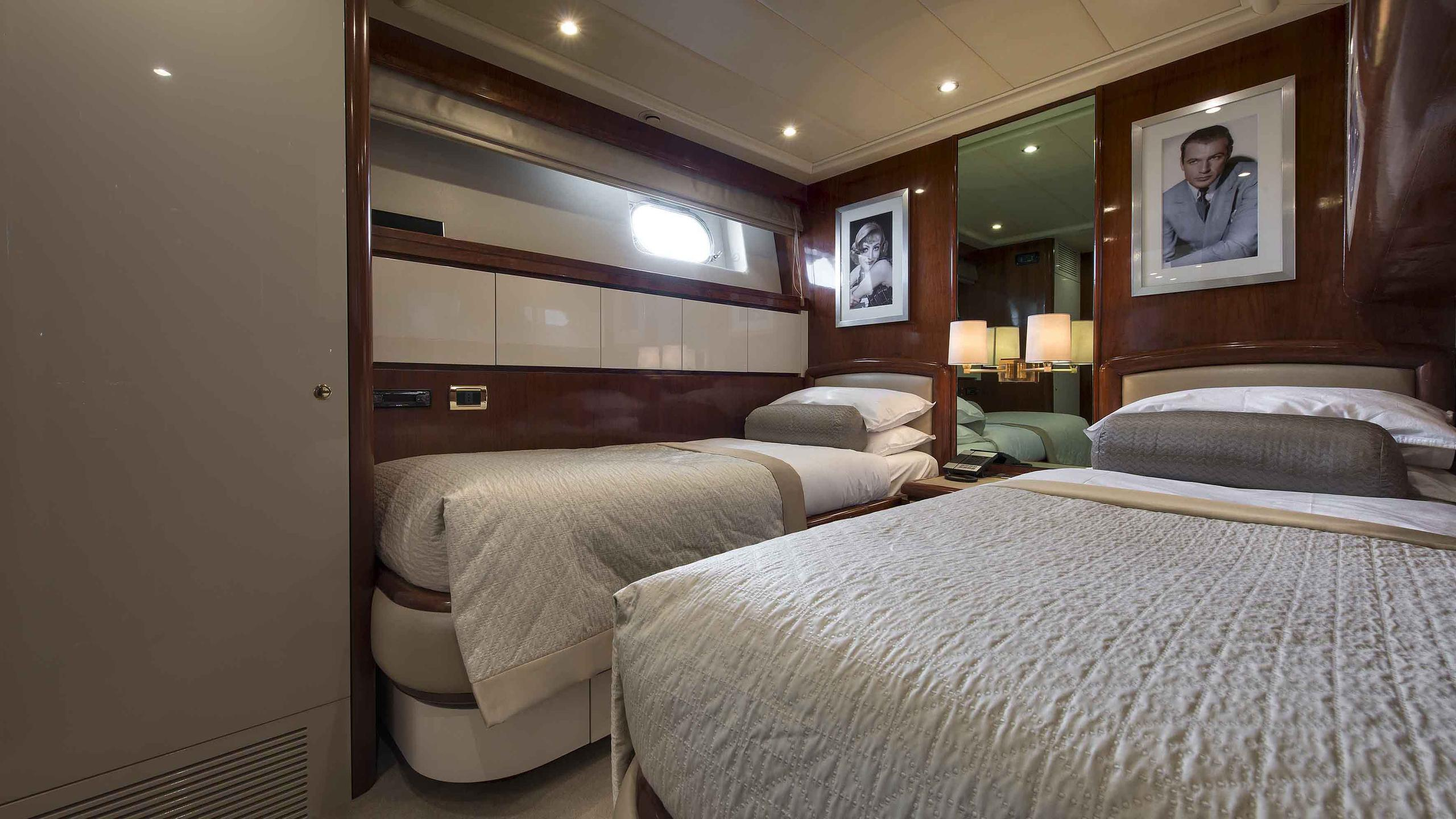 the-wellesley-yacht-twin-cabin