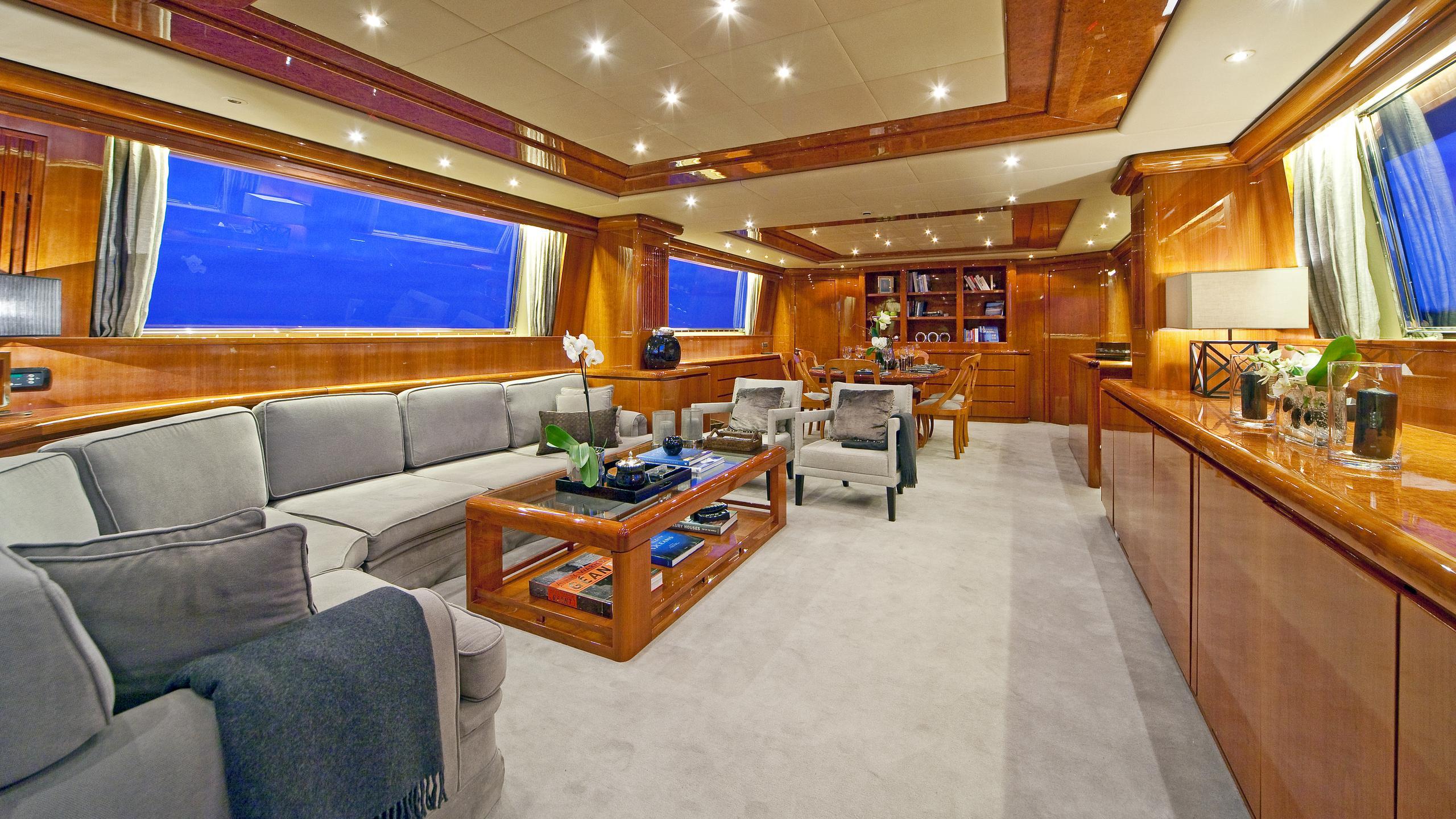 syngery-yacht-saloon