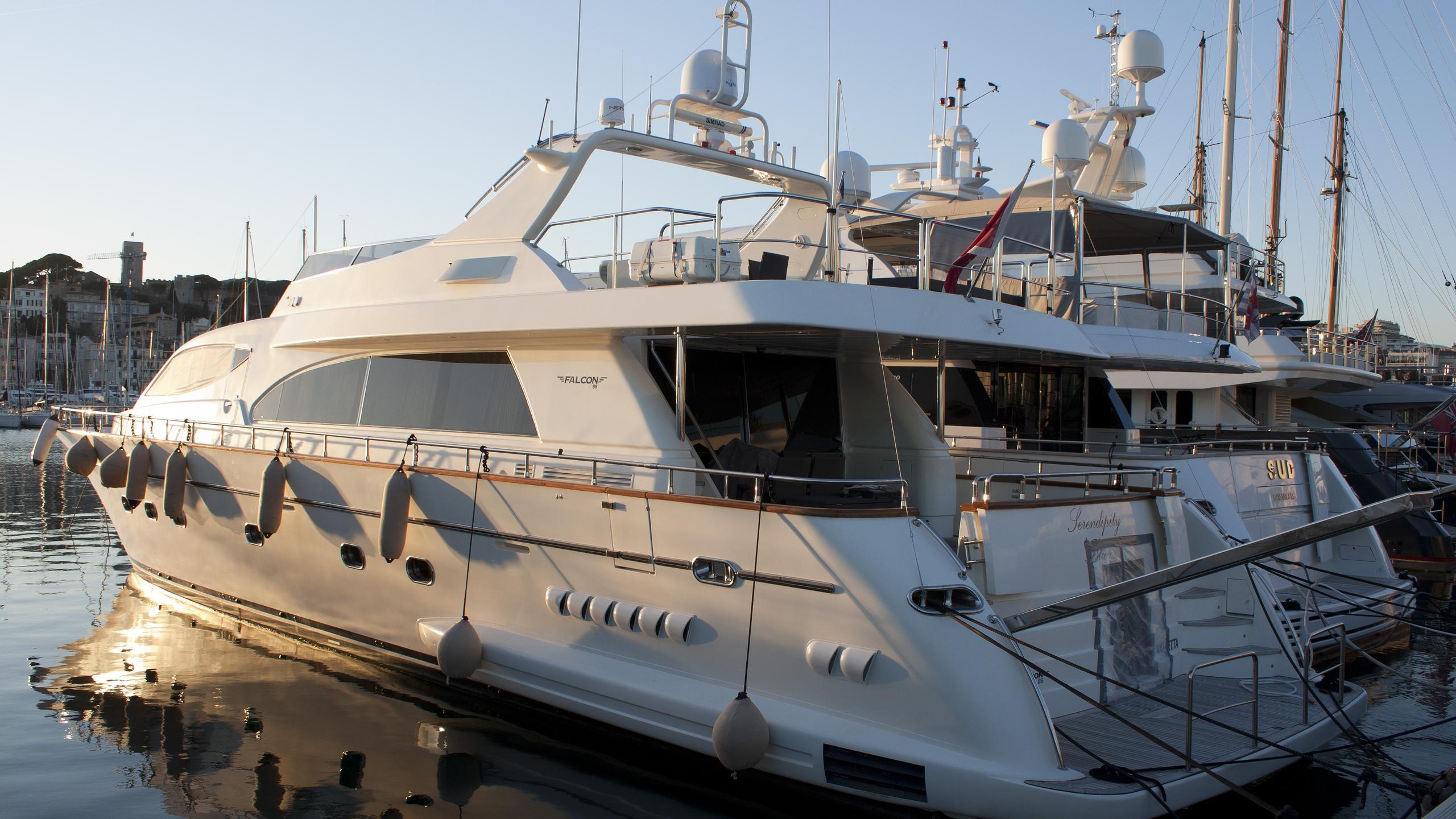 serendipity-yacht-exterior