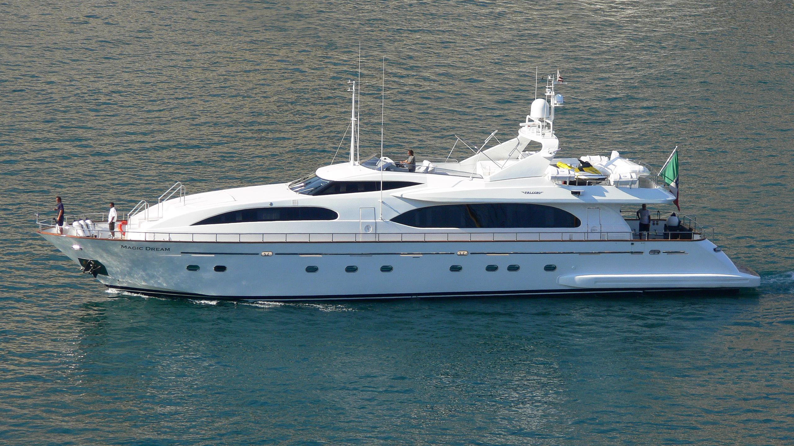 magic-dream-yacht-exterior