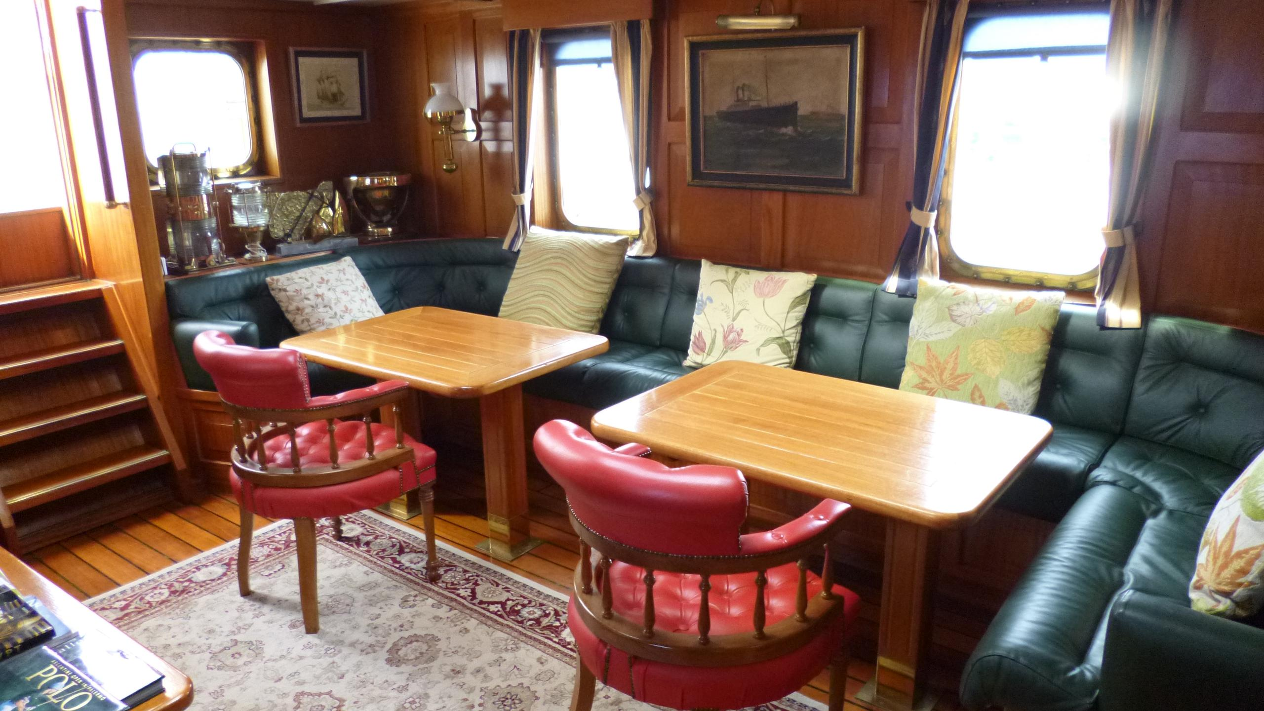 blue-c1-yacht-formal-dining