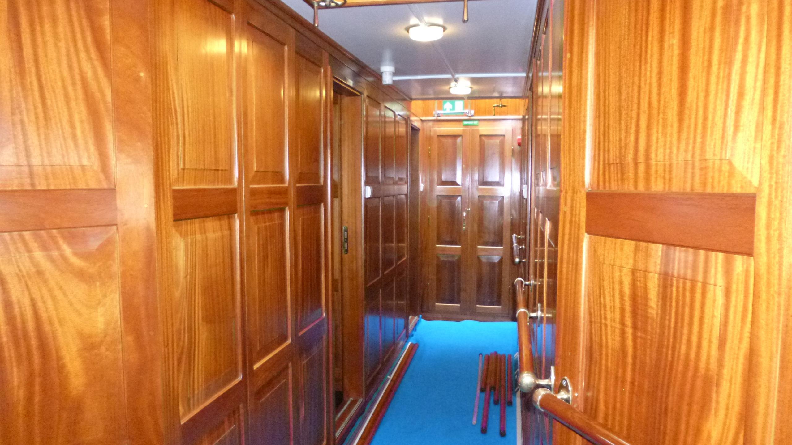blue-c1-yacht-hallway