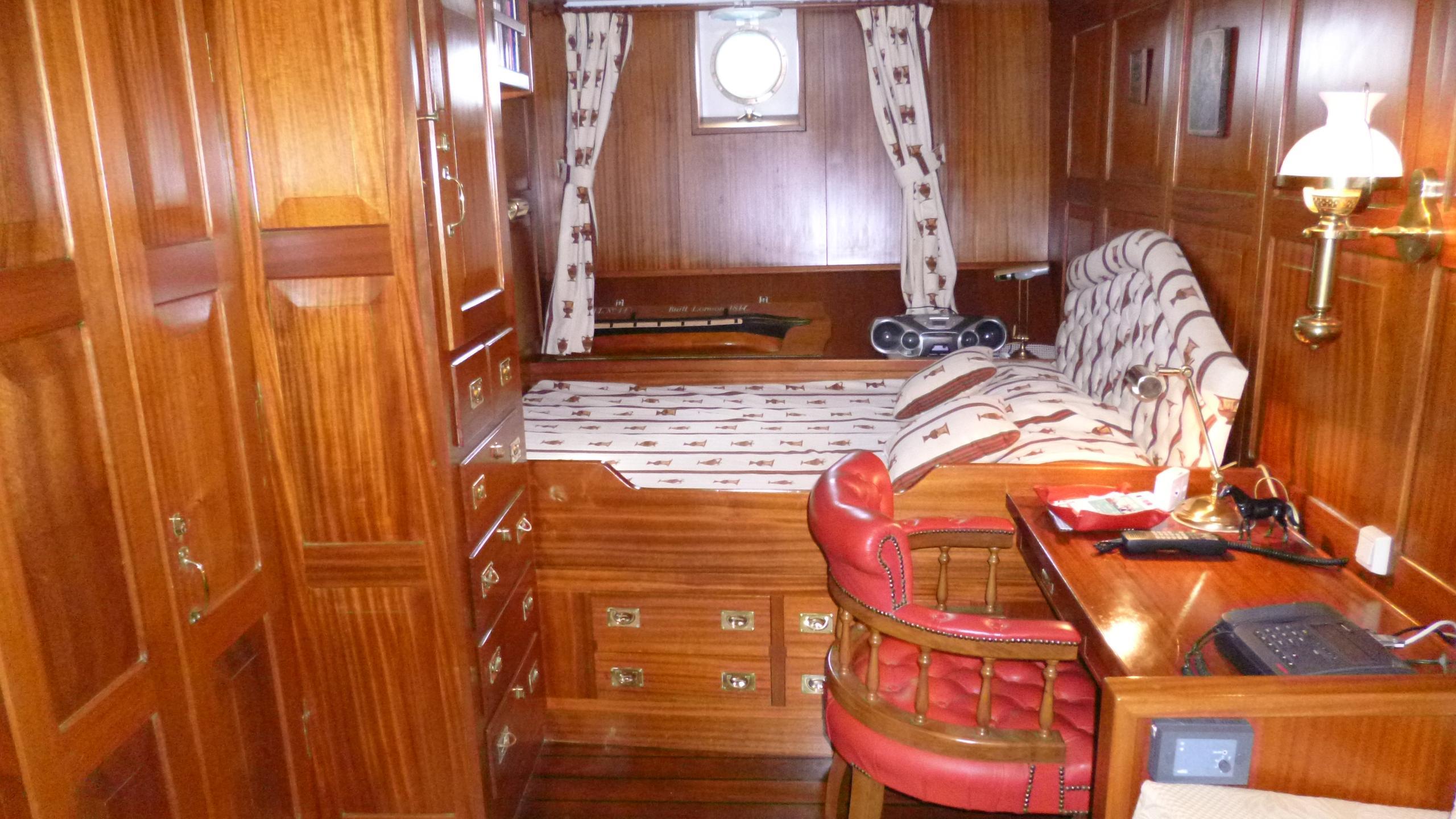 blue-c1-yacht-master-cabin