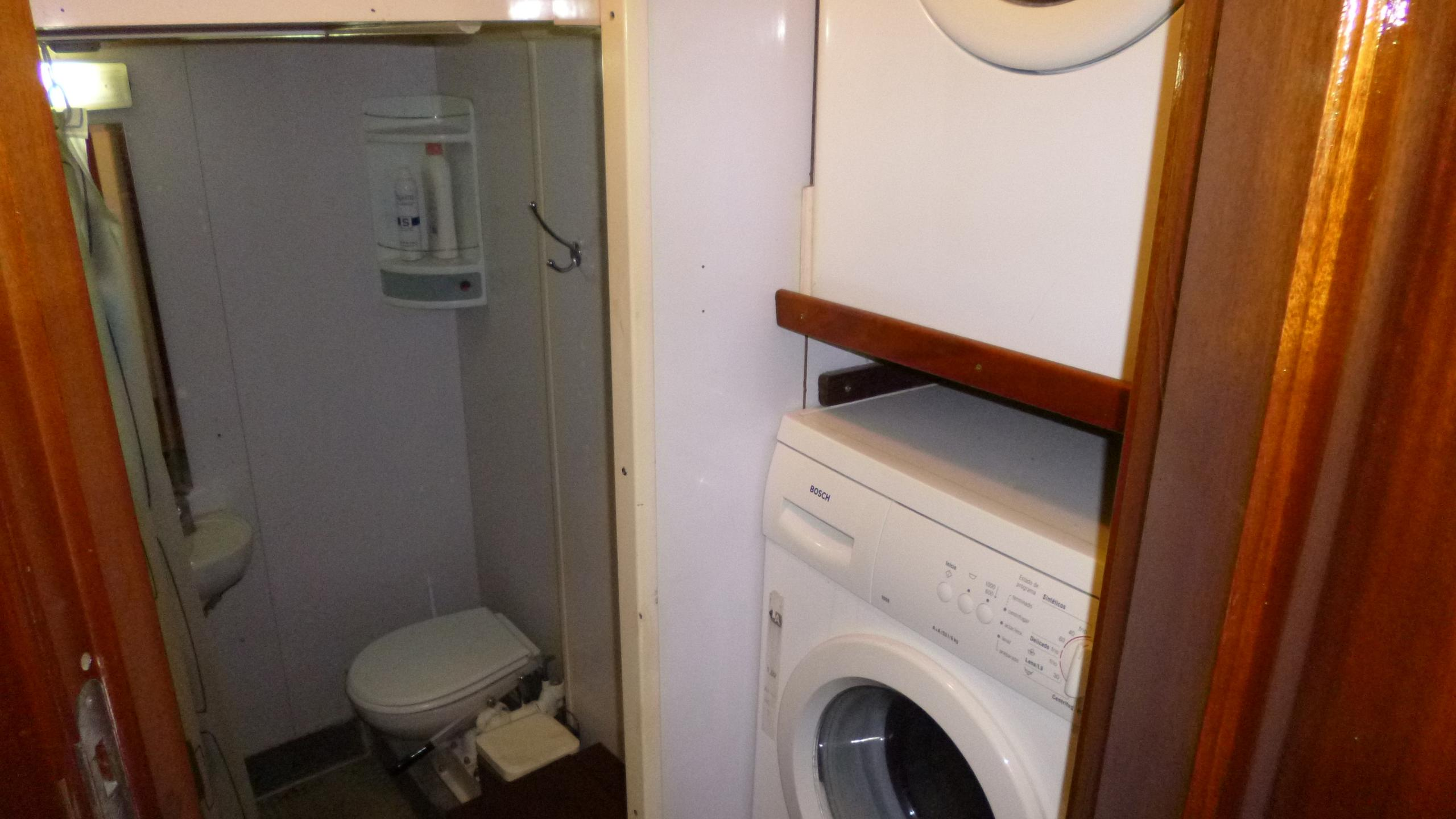 blue-c1-yacht-washing-machine