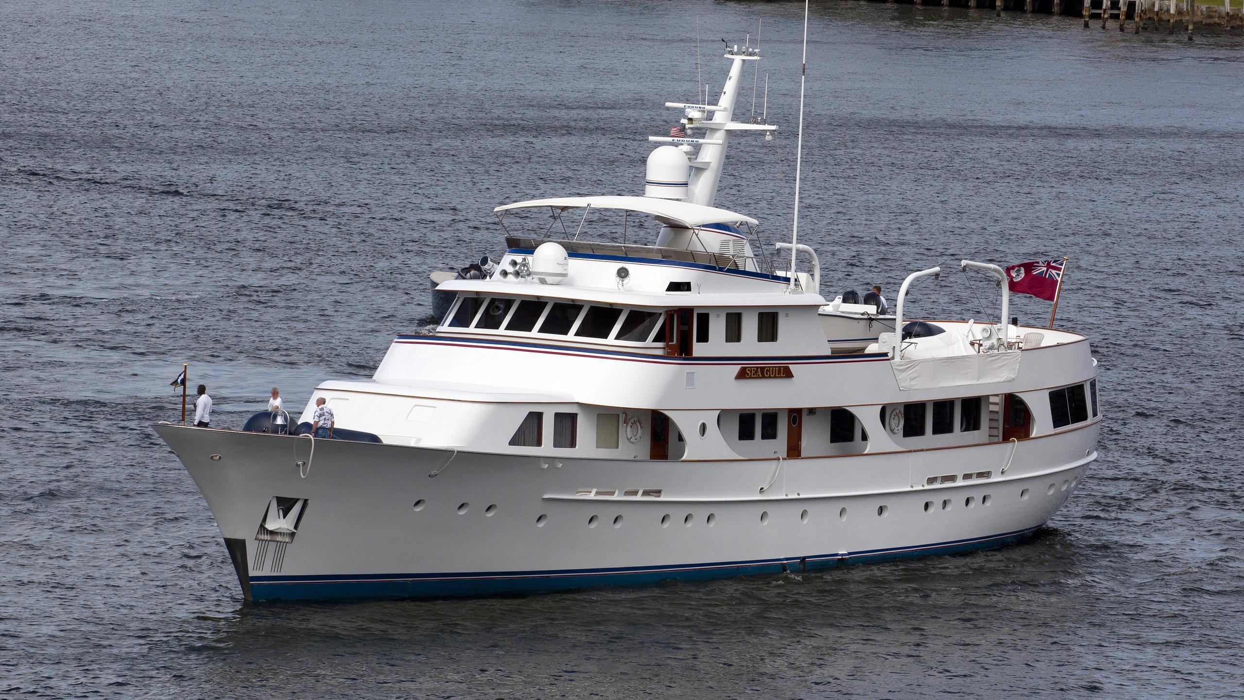 seagull-yacht-exterior