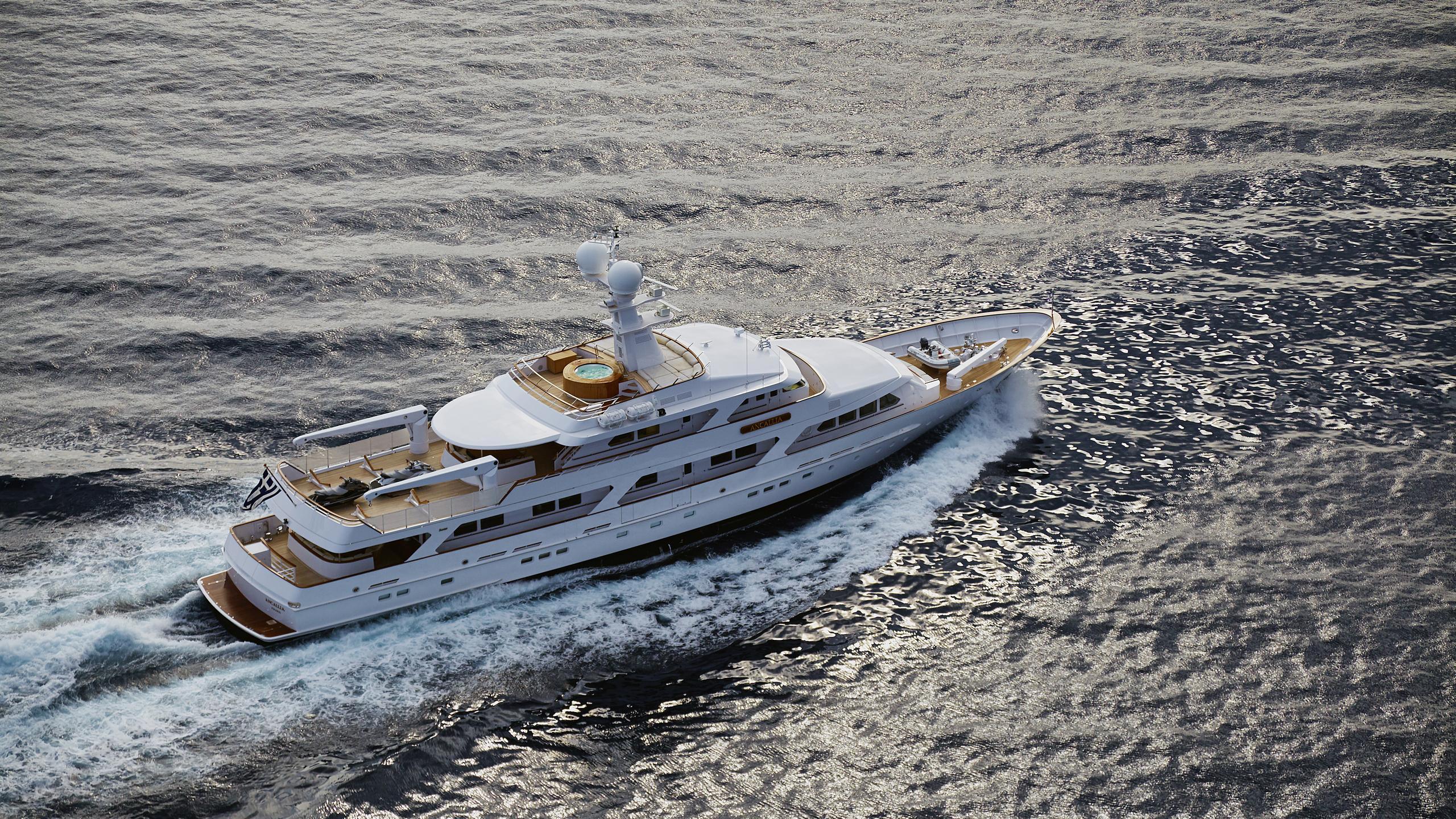 ancallia-yacht-at-sea