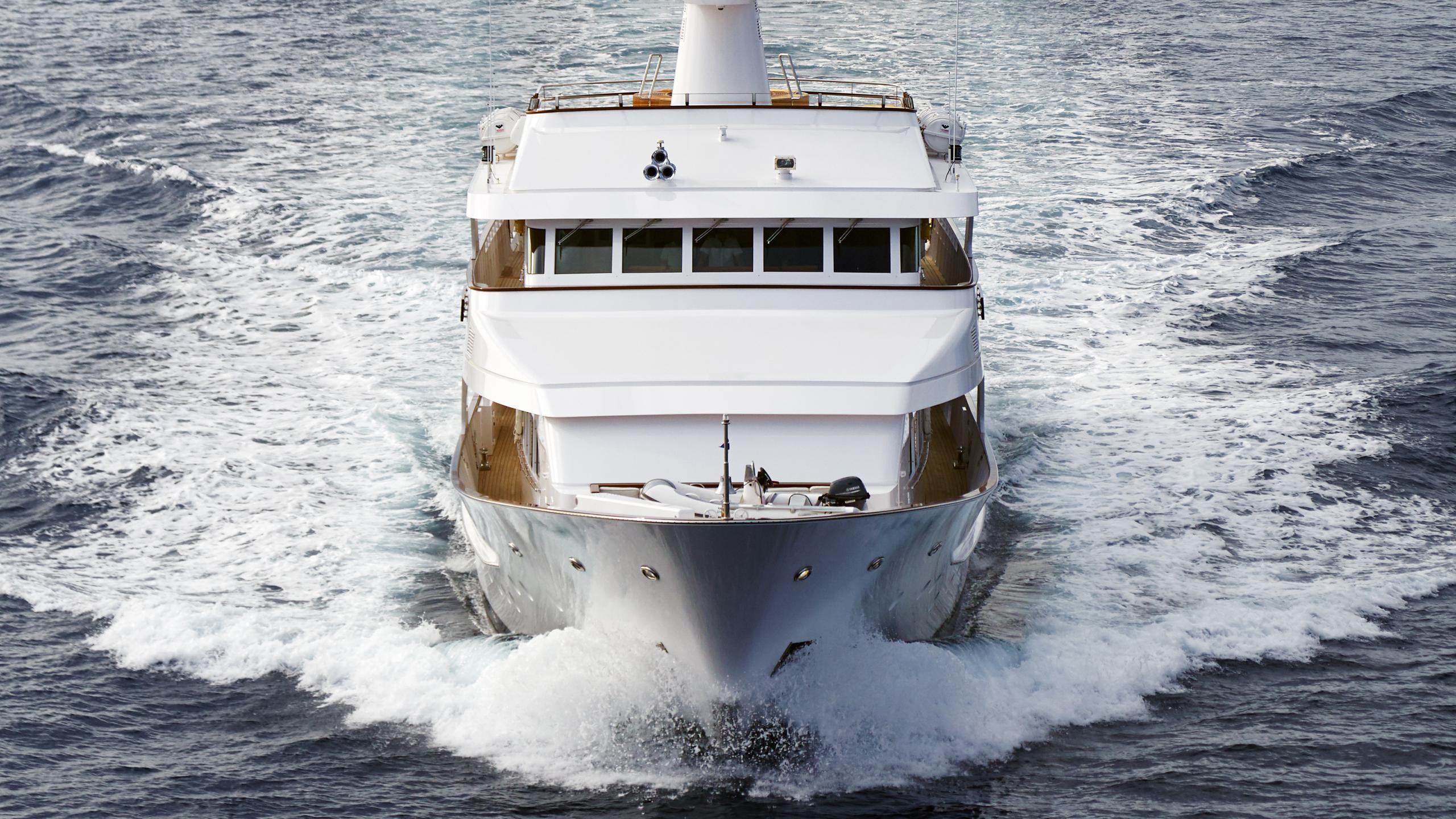 ancallia-yacht-bow-cruising