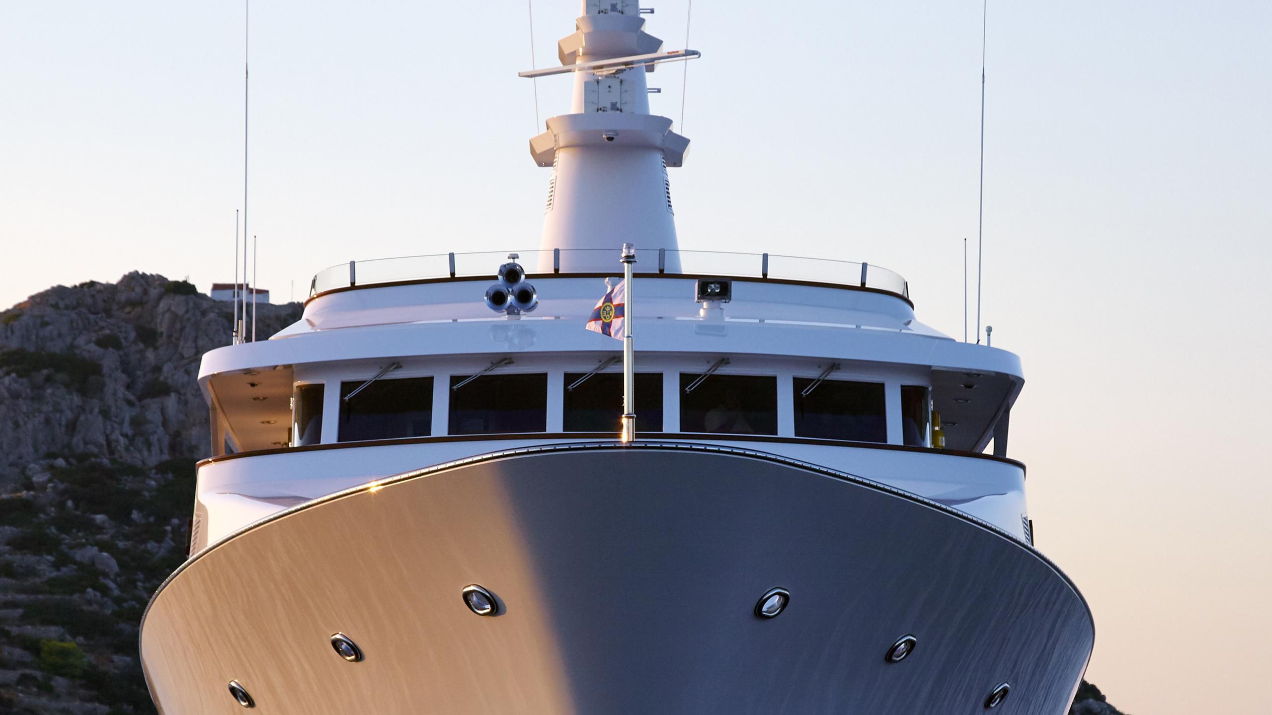 ancallia-yacht-bow